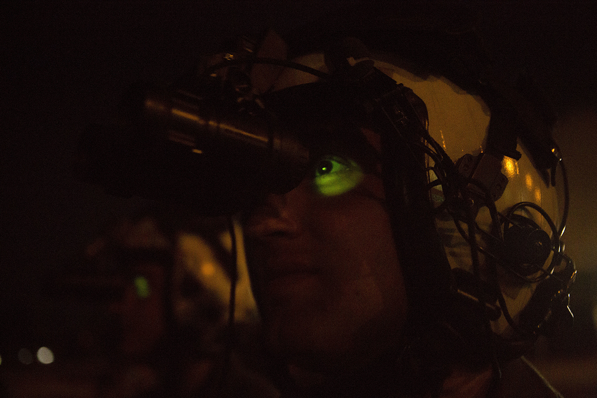 Marines with the Aviation Combat Element, Marine Rotational Force – Darwin, conduct practical application to compare green and white phosphor night vision goggles at RAAF Base Darwin, Australia, June 18, 2019. White phosphor goggles will replace the traditional green phosphor goggles for improved night vision capabilities during MRF-D aviation operations. (Lance Cpl. Kealii De Los Santos/Marine Corps)