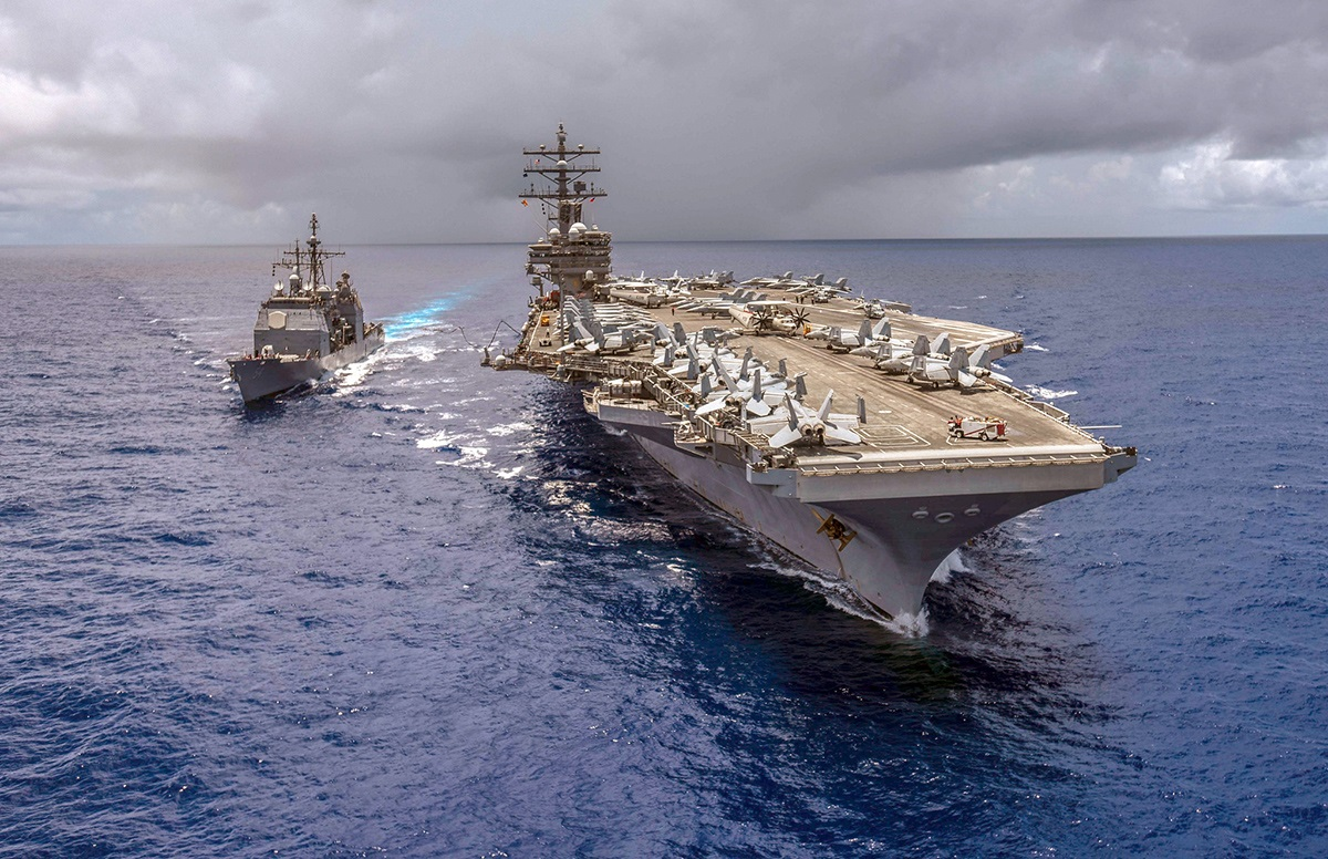 The U.S. surface Navy earlier this year began moving rapidly toward buying a new large surface ship to replace aging cruisers. (MC2 Kaila Peters/U.S. Navy)