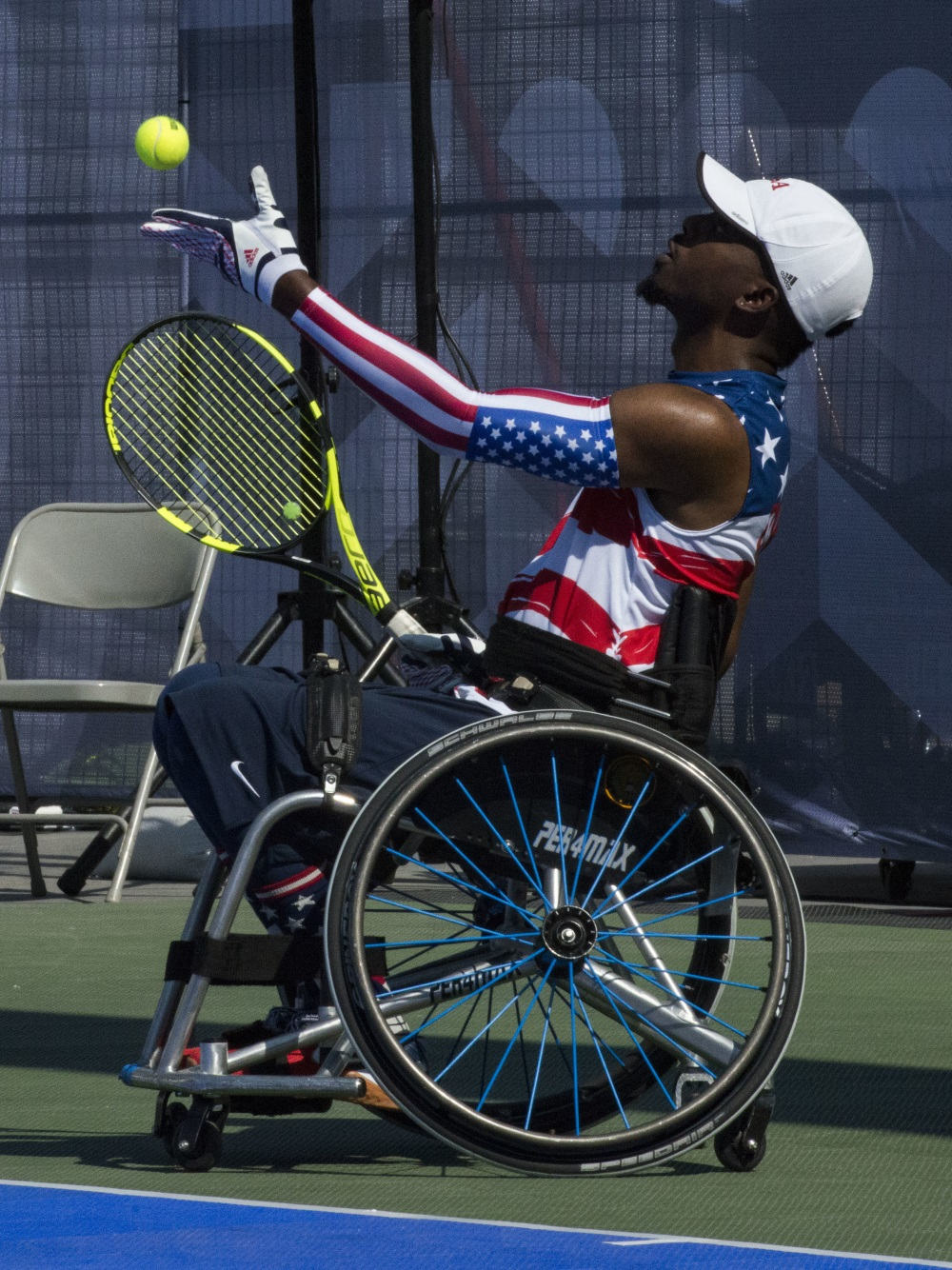 Army veteran Sgt. Roosevelt Anderson, of the U.S. Special Operations Command, competes in wheelchair tennis against Canada during the Invictus Games at Nathan Phillips Square in Toronto, Canada, on Sept. 23, 2017. (Sgt Cedric R. Haller II/DoD)