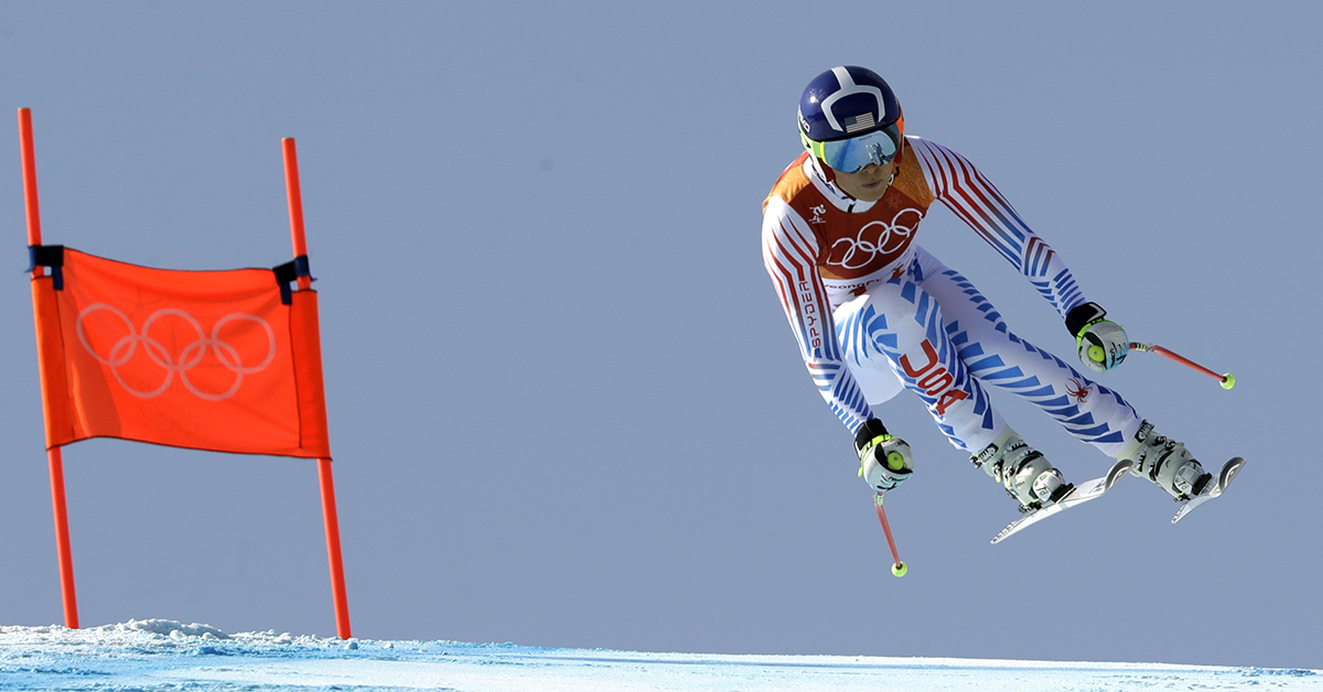 Vonn scatters ashes of grandfather, a Korean War vet, near downhill course
