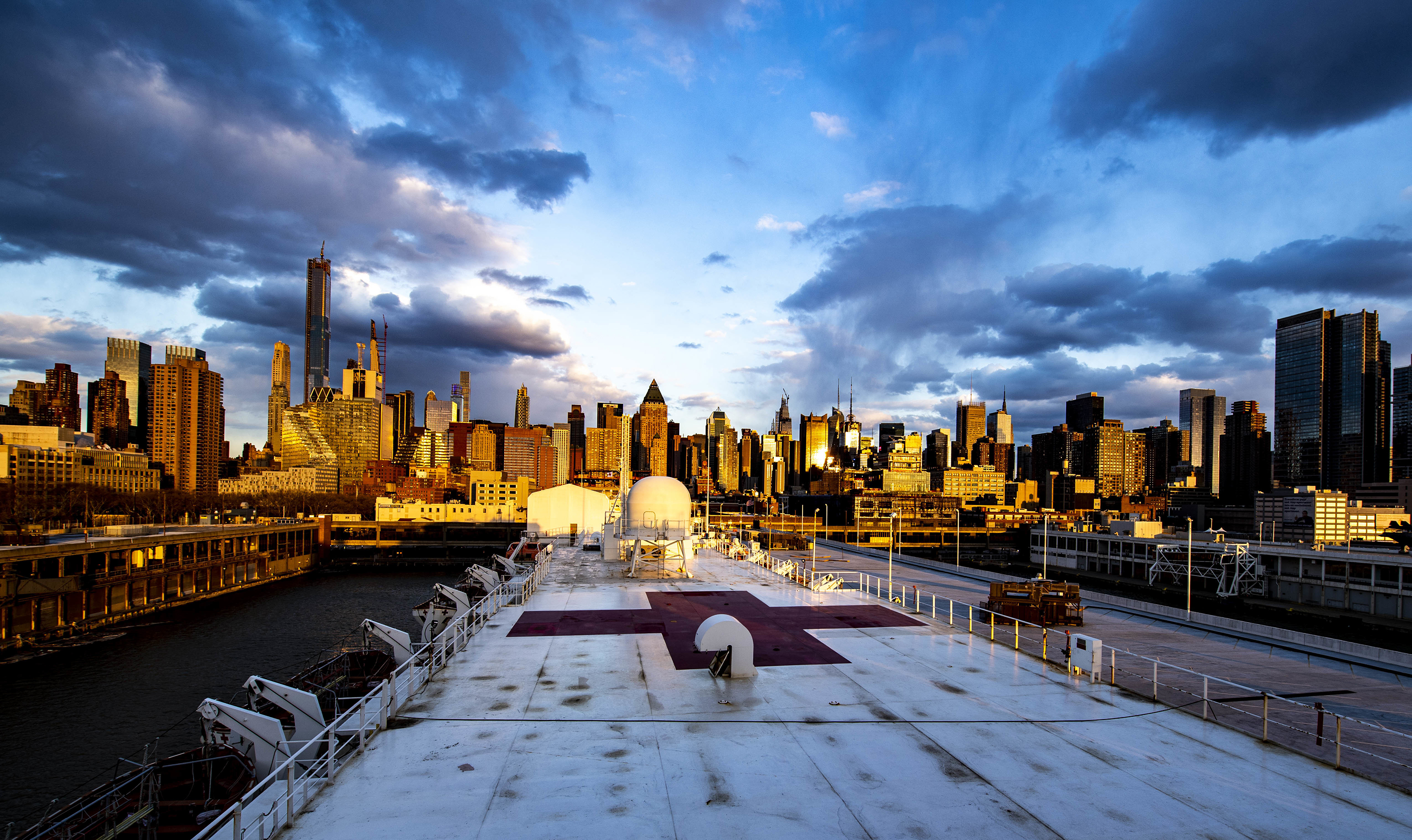 The Military Sealift Command hospital ship USNS Comfort (T-AH 20) provides medical relief to New York City on April 16, 2020. (Mass Communication Specialist 1st Class Scott Bigley/Navy)