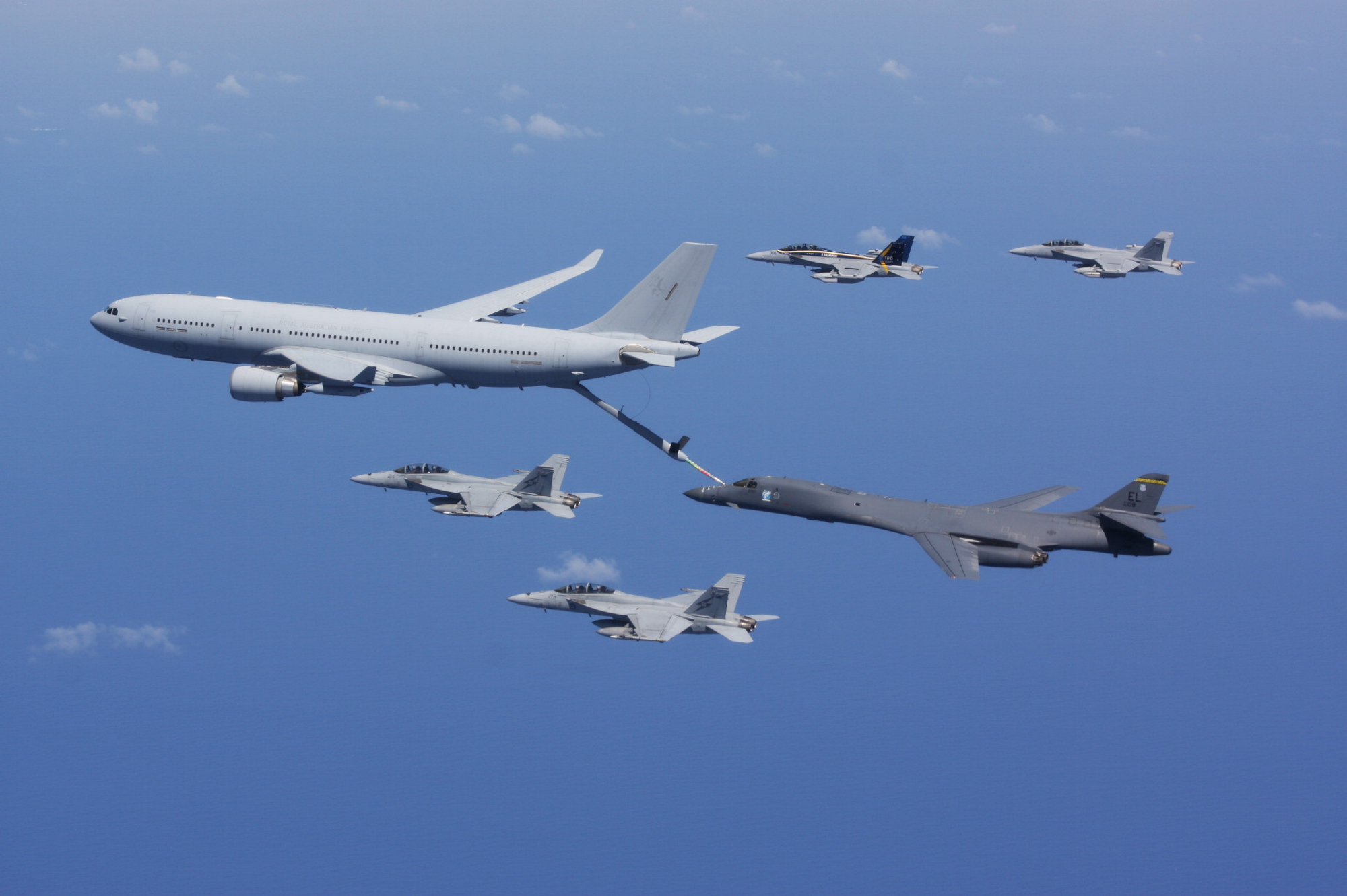 A Royal Australian Air Force KC-30A refuels a U.S. Air Force B-1B Lancer. (Commonwealth of Australia)