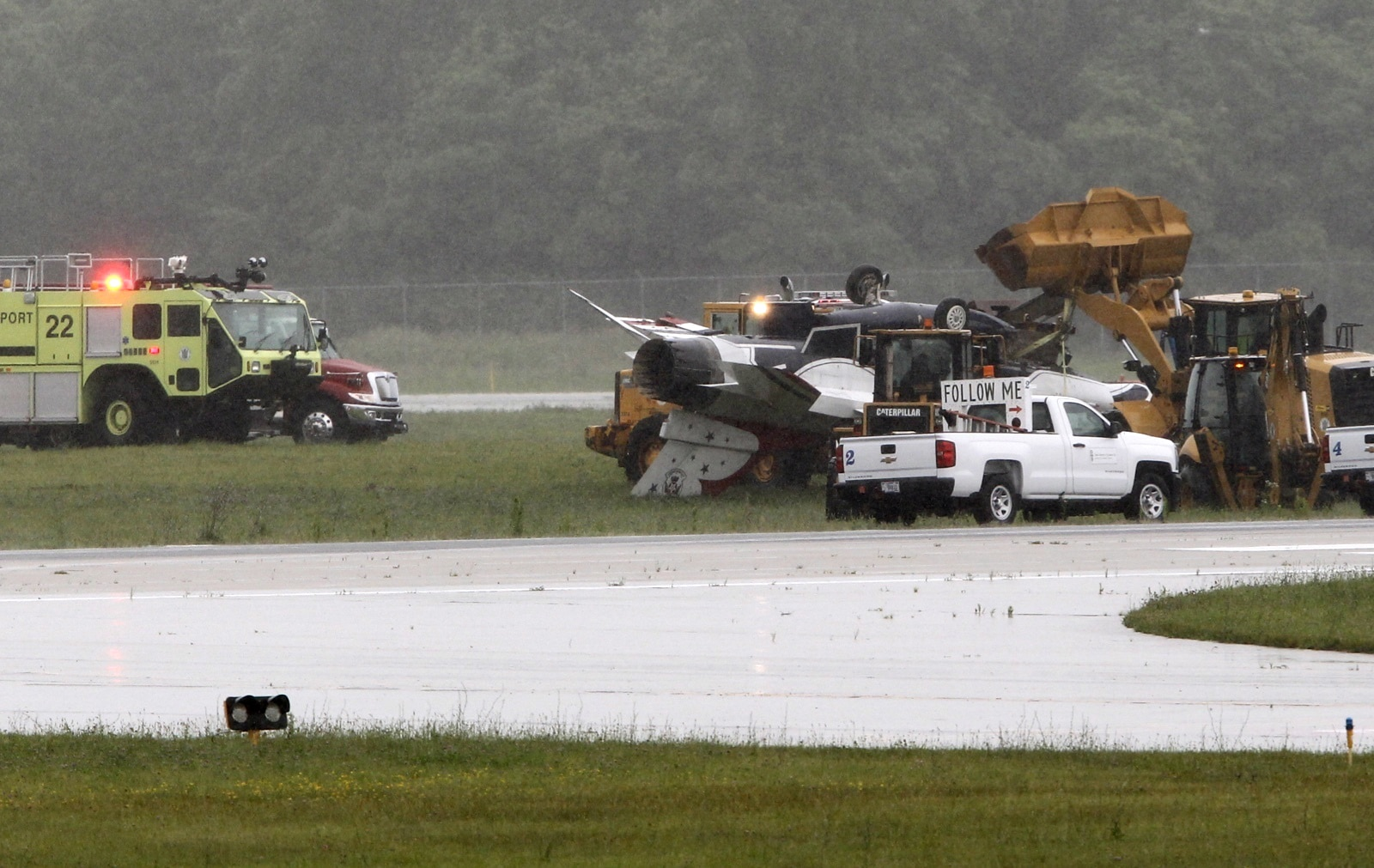 Thunderbirds jet landed too fast, skidded off wet runway in June crash