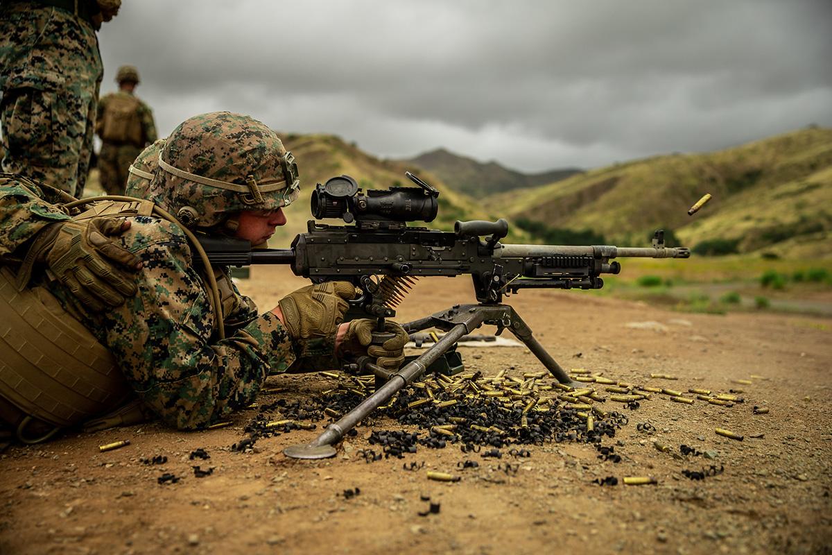 Marines engage targets with the M240B machine gun at Marine Corps Base Camp Pendleton, Calif., May 23, 2019. (Pfc. William Redding/Marine Corps)
