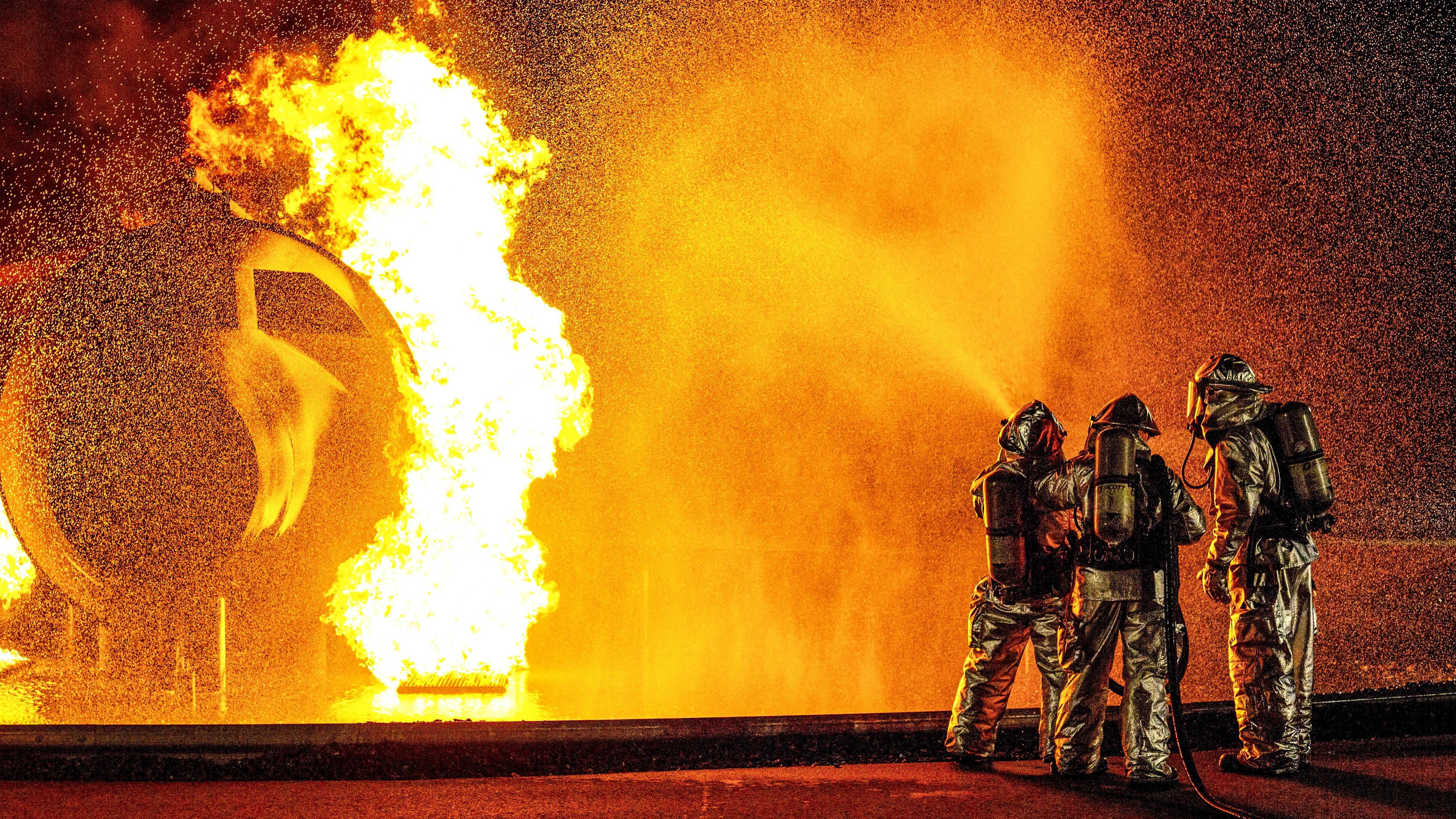 Aircraft Rescue and Firefighting (ARFF) Marines with Headquarters and Headquarters Squadron conduct fire containment drills at Marine Corps Air Station Iwakuni, Japan, Oct. 12, 2018. The training was conducted in order to maintain proficiency extinguishing aircraft fires in support of the air station's mission of launching and recovering aircraft. (Sgt. Akeel Austin/Marine Corps)