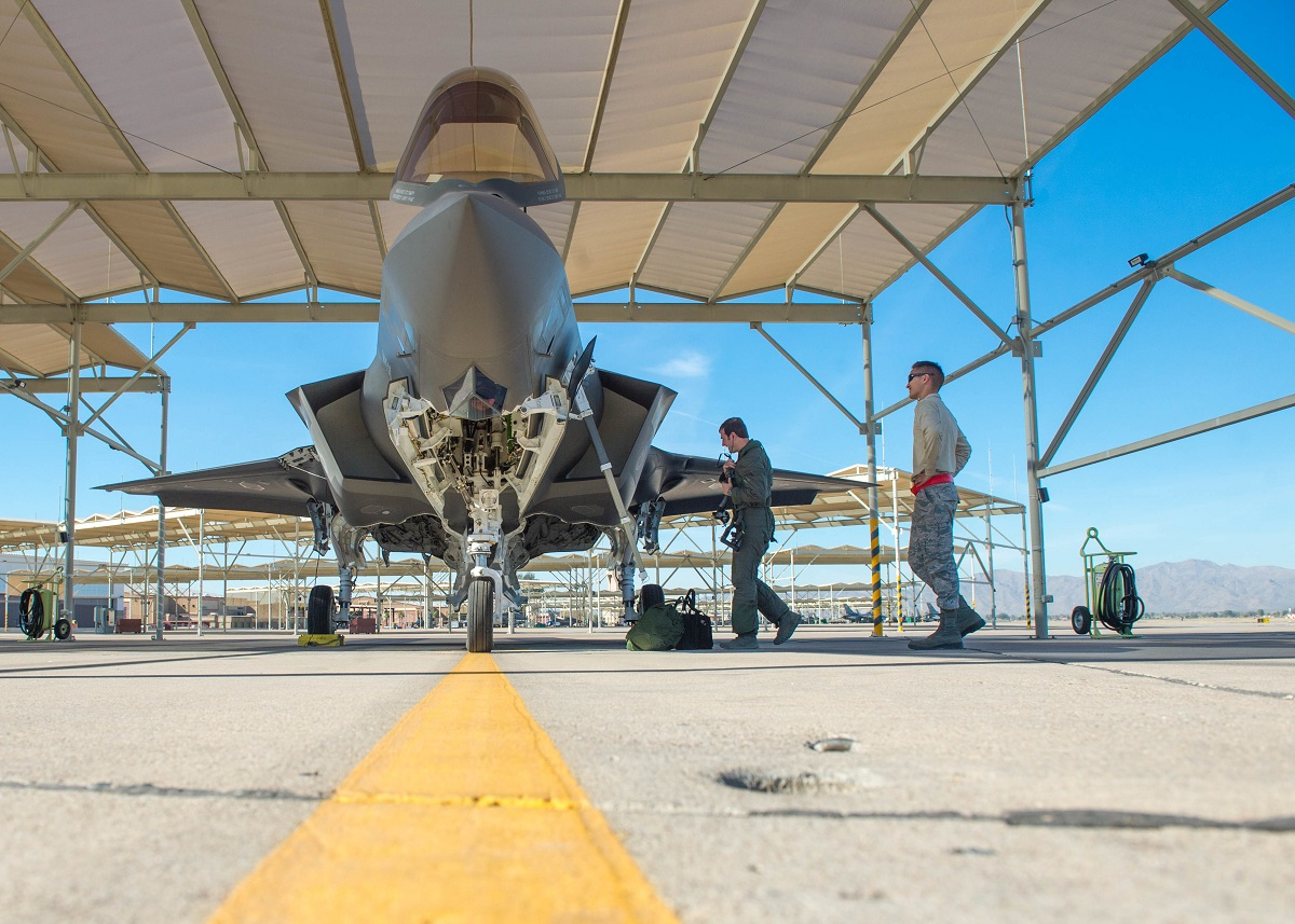 F-35 program head blasts Lockheed for slow progress on contract