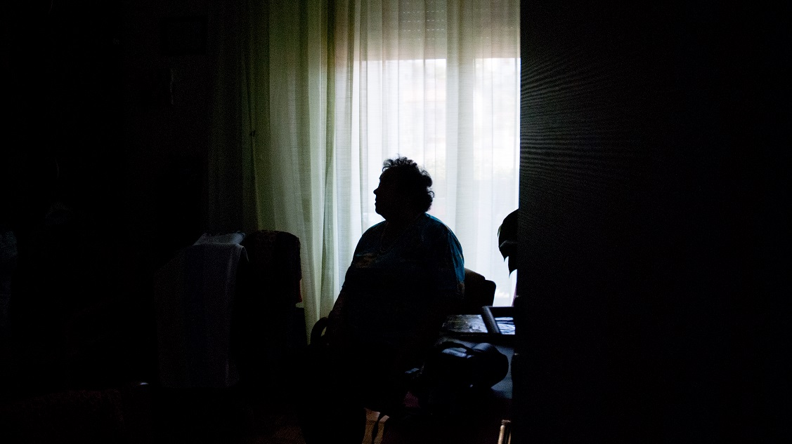 An elderly woman sits alone in a nursing home room. Patient neglect or error was cited as a cause of death for 54 nursing home patients in Florida between 2013 and 2017. U.S. Army veteran, York Spratling, 84, was one of them. (Getty Images)