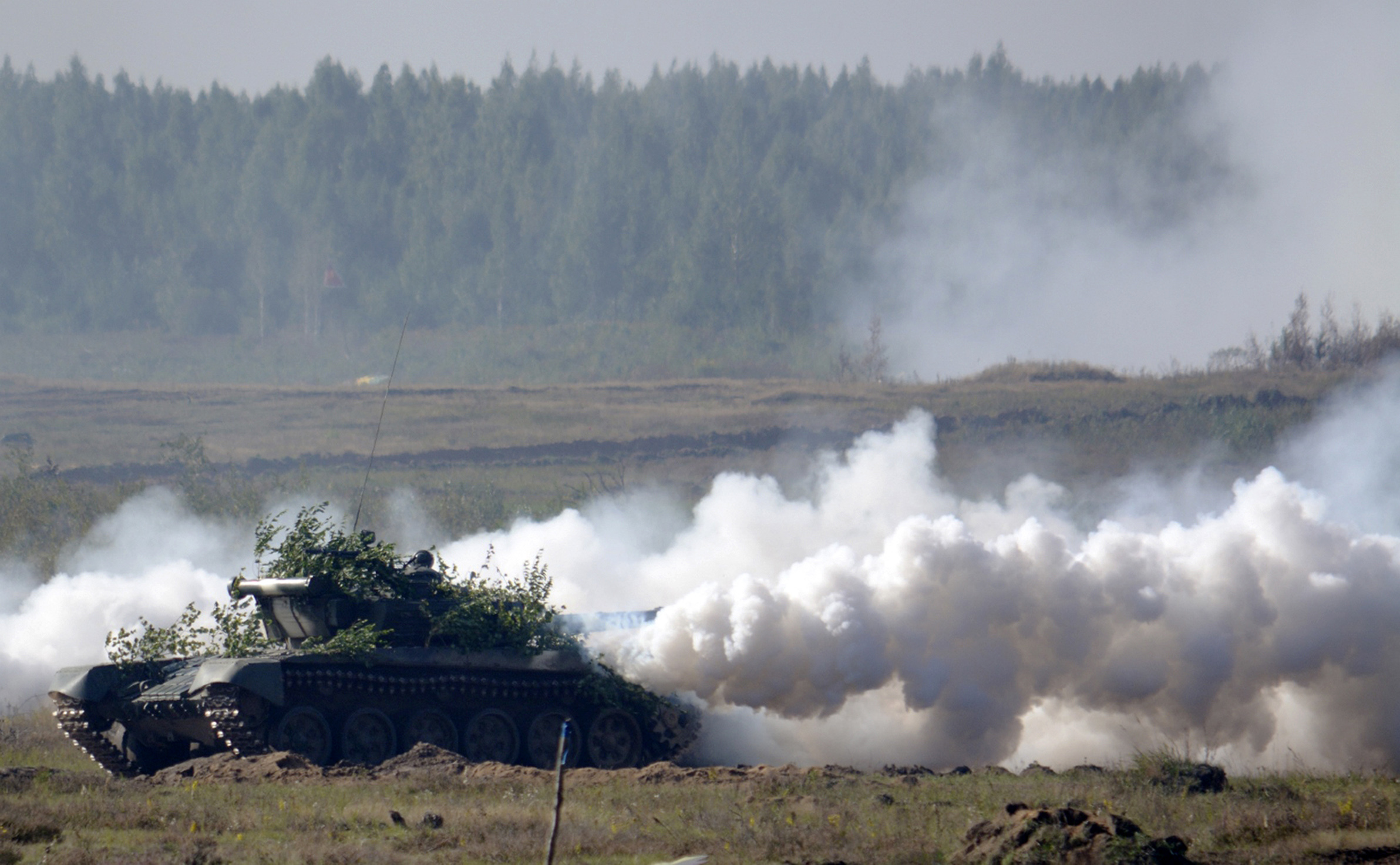Russia and Belarus began major war games Sept. 14, 2017, an operation involving thousands of troops, tanks and aircraft on NATO's eastern edge practicing how to hunt down and destroy armed spies, among other maneuvers. (Vayar Military Agency via AP)