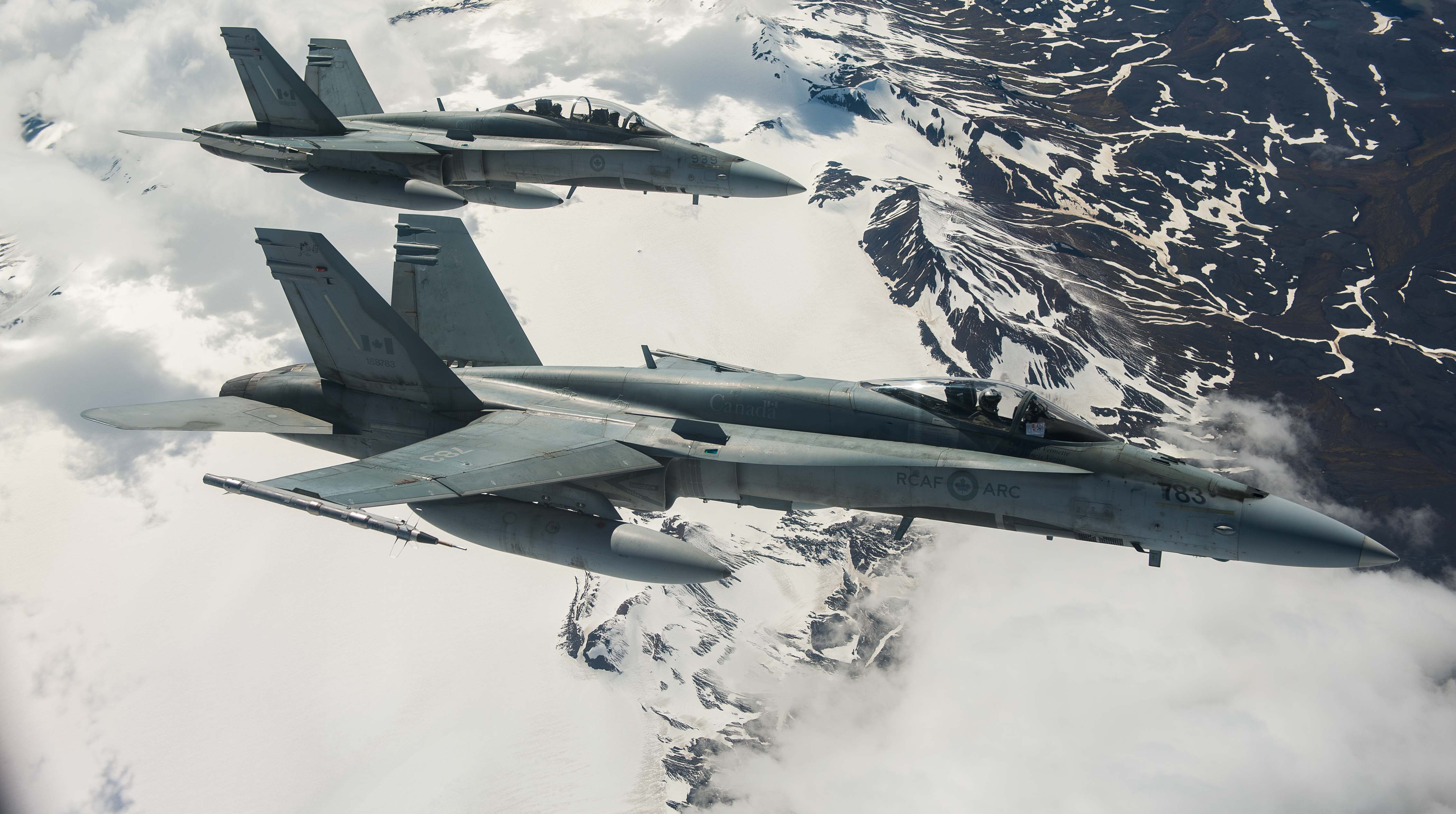 Canadian air chief looks to speed up up fighter buy