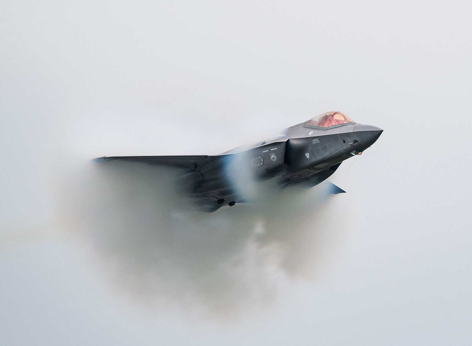 Capt. Andrew Olson, F-35 Lightning II demonstration team pilot and commander, performs aerial maneuvers during the Aero Gatineau-Ottawa Airshow in Quebec, Canada, Sept. 7, 2019. (Senior Airman Alexander Cook/Air Force)