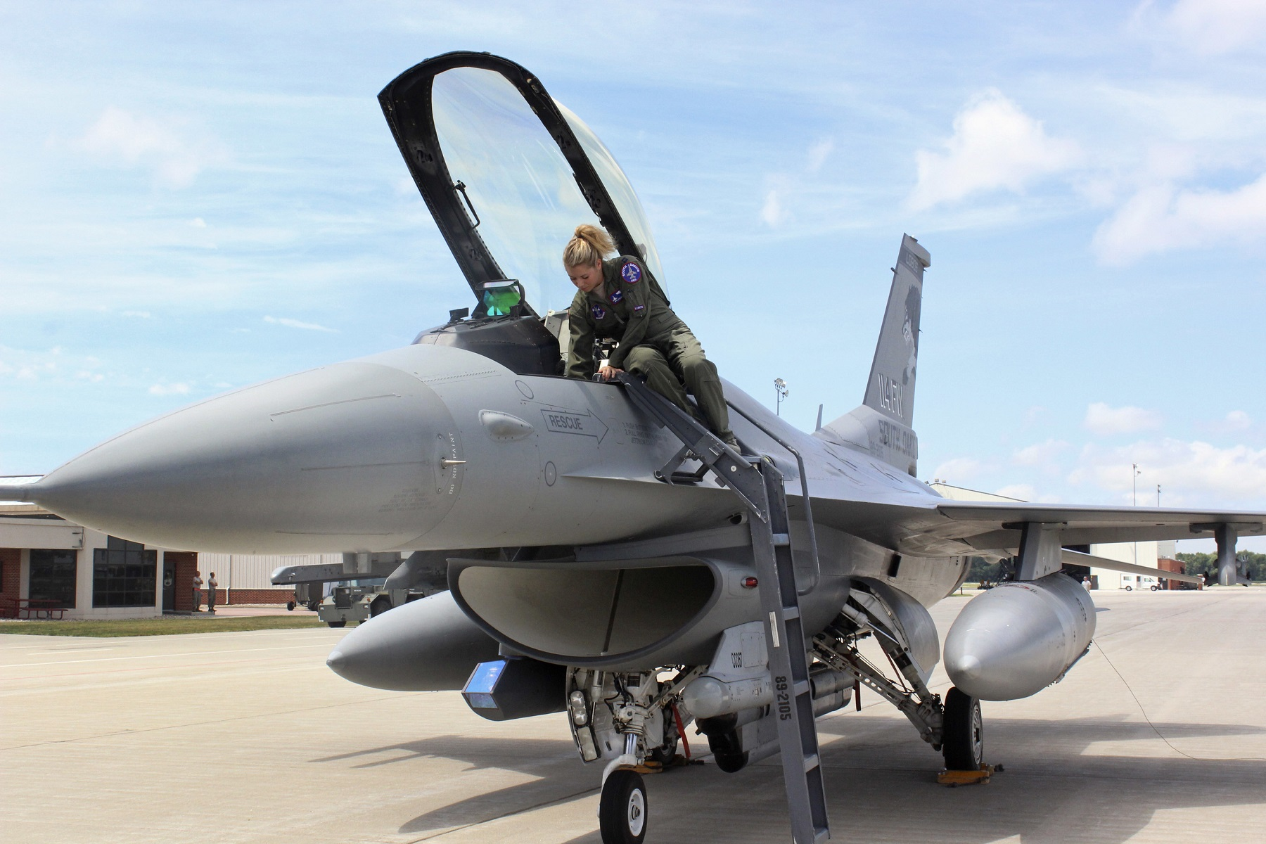 Air Force seeks retired pilots to return to active duty