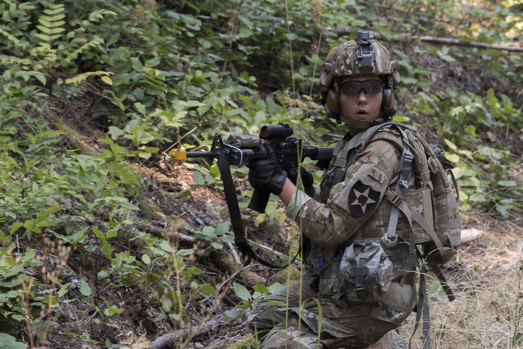 Soldiers test the Army's newest combat helmet