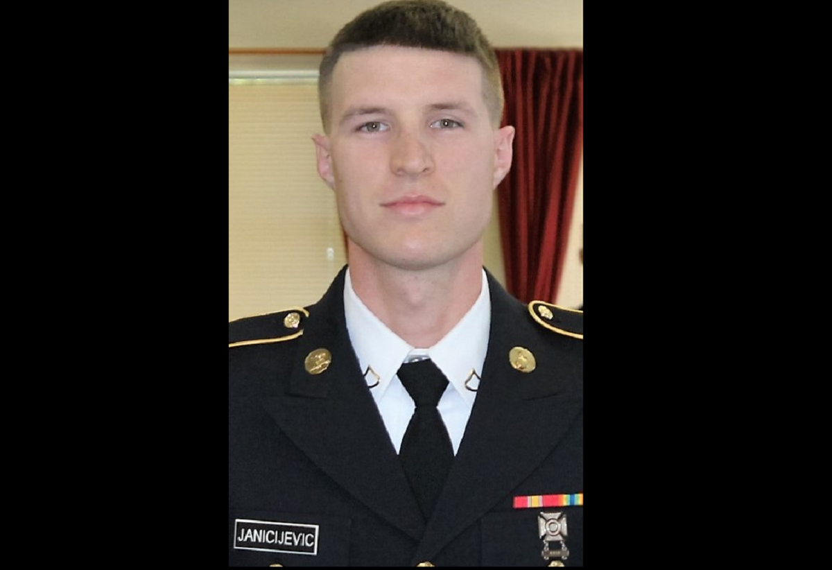 Immigrant soldier dies waiting for US military to clear him for duty
