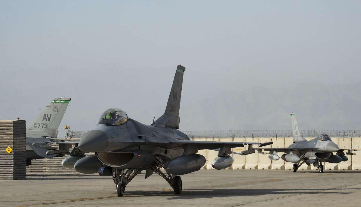 Air Force deploys more F-16s, tankers to Afghanistan