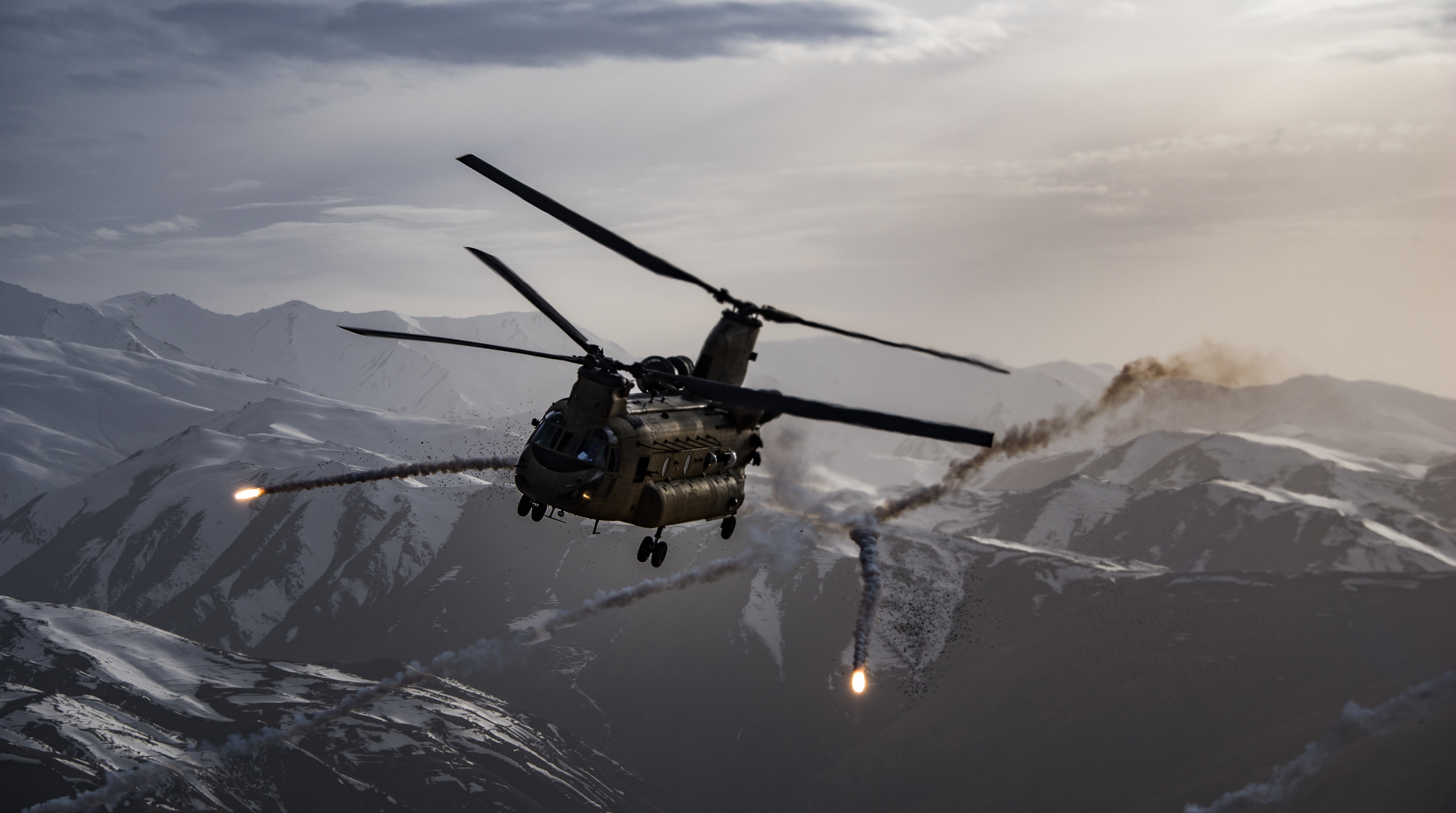 A U.S. Army CH-47F Chinook releases flares while training near Bagram Airfield, Afghanistan, March 26, 2018. (Tech. Sgt. Gregory Brook/Air Force)