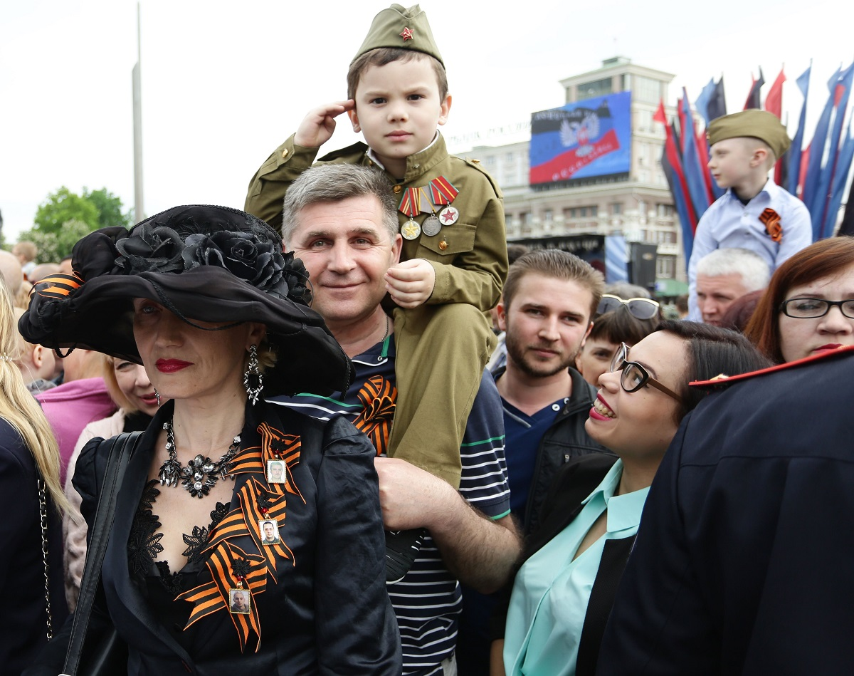 People attend the Immortal Regiment march marking Victory Day in in Ukraine's de facto rebel capital Donetsk on May 9, 2018. (Aleksey Filippov/AFP via Getty Images)
