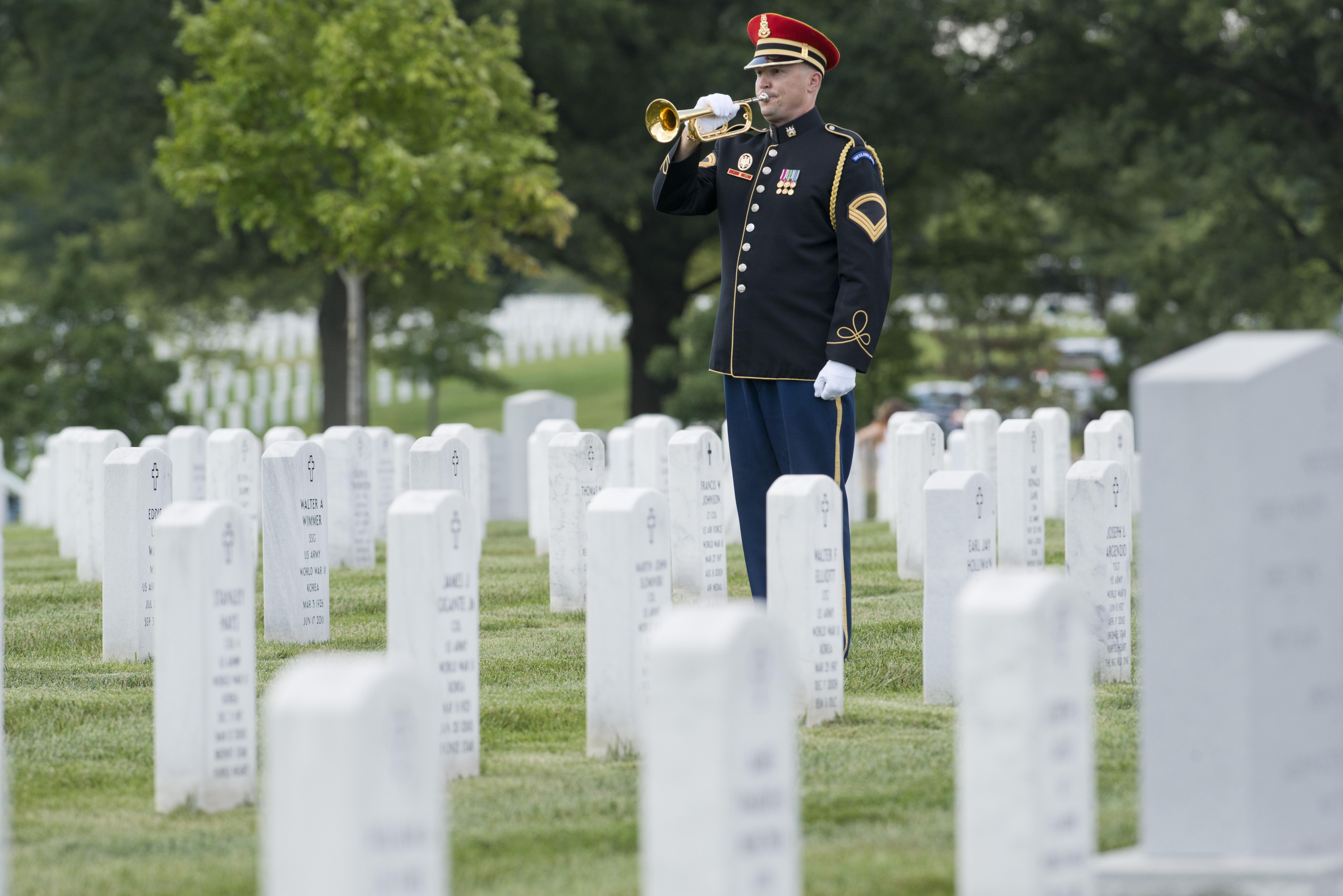 Researchers are examining ways to help bereaved military families. Many of those families' loved ones are buried in Section 60 at Arlington National Cemetery. (Alan Lessig/Staff)