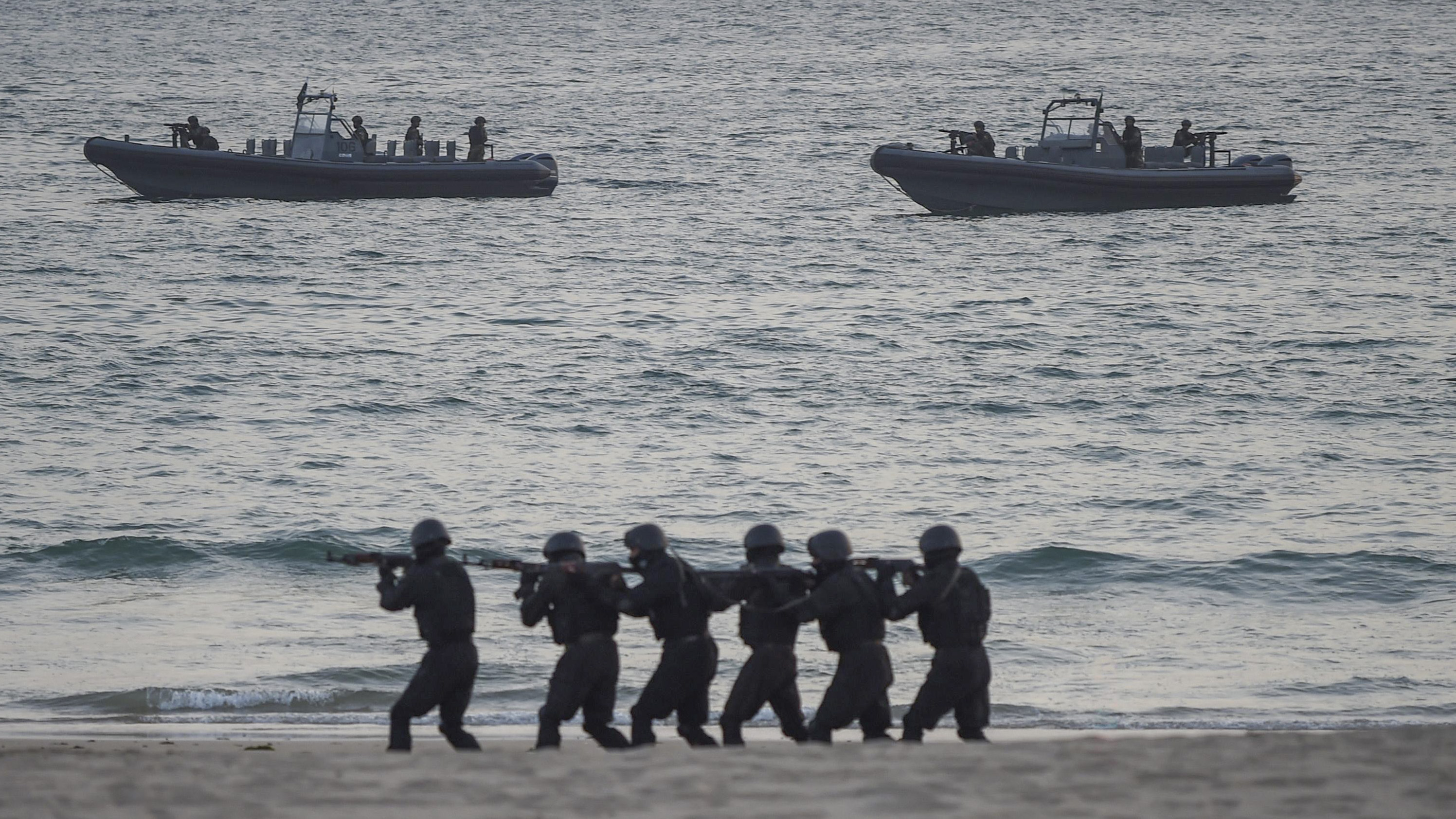 Pakistan Special Services Group Navy commandos take part in the navy's Multinational Exercise 'AMAN-19' in sea view in Karachi on February 9, 2019. - Exercise Aman is scheduled from February 8 to 12, 2019, in which over 45 countries are participating with ships and observers. (RIZWAN TABASSUM/AFP/Getty Images)