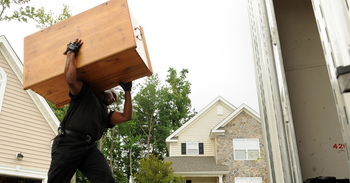 Know your PCS basics: Tips (and links) for the busy moving season