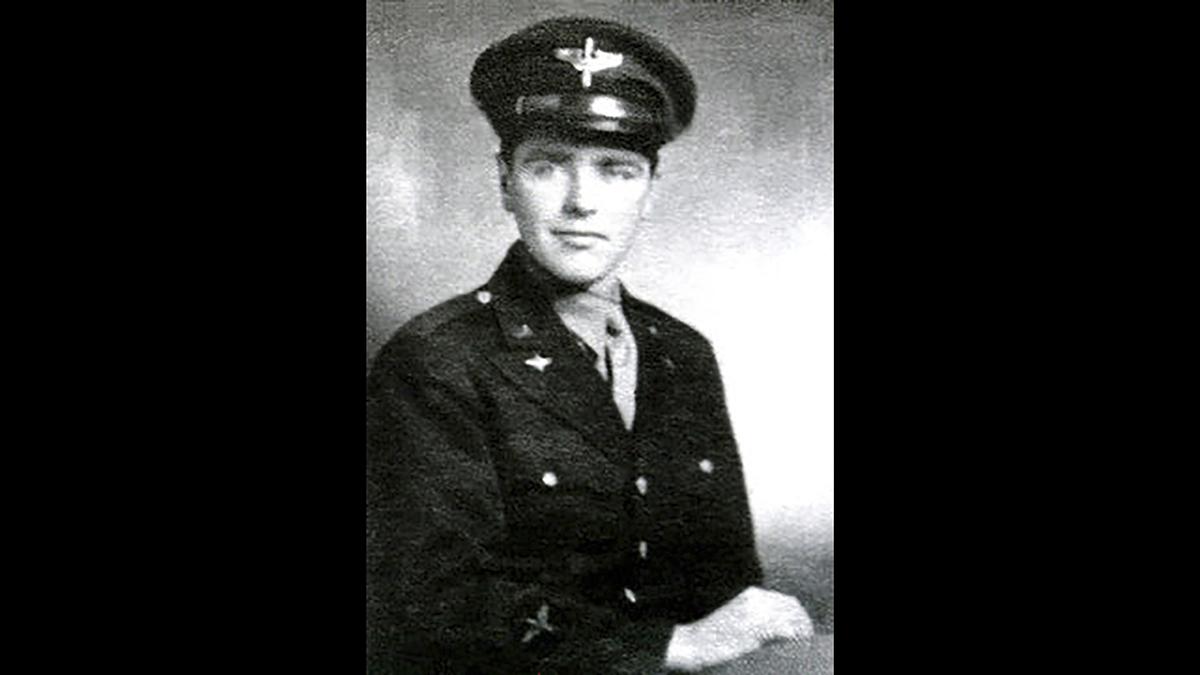 U.S. Army Air Forces pilot 1st Lt. Allen R. Turner, of Brookline, Mass. (Defense POW/MIA Accounting Agency via AP)