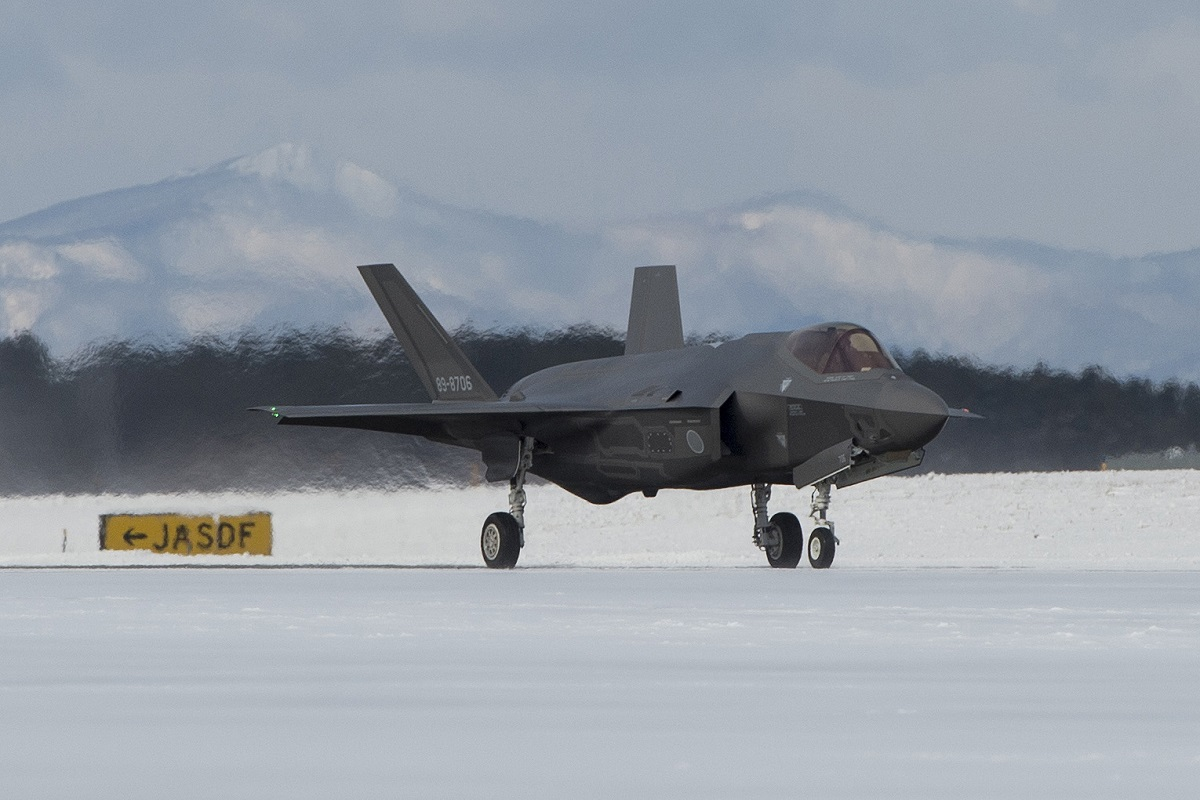 Japan base welcomes 1st deployed F-35A, but industry hiccups delay fighter's supplies