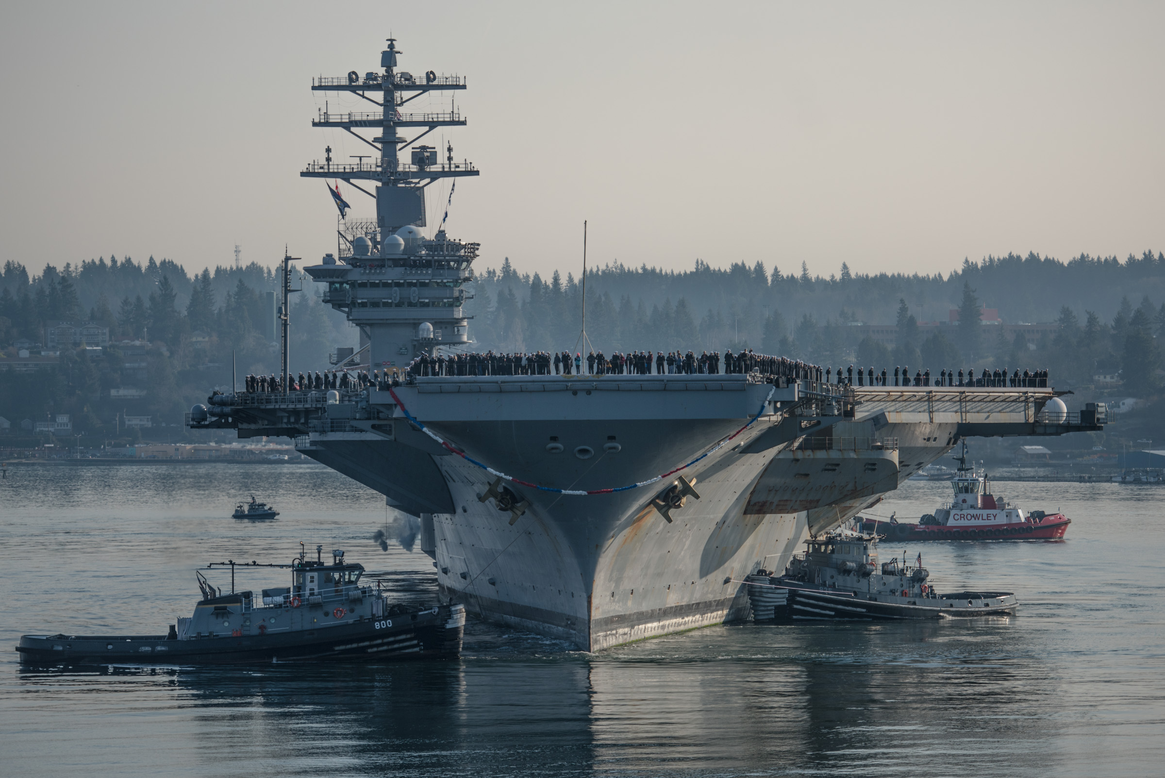 The carrier Nimitz returns to its homeport of Bremerton, Wash., after a six-month deployment. (MC3 Dakota Rayburn/Navy)