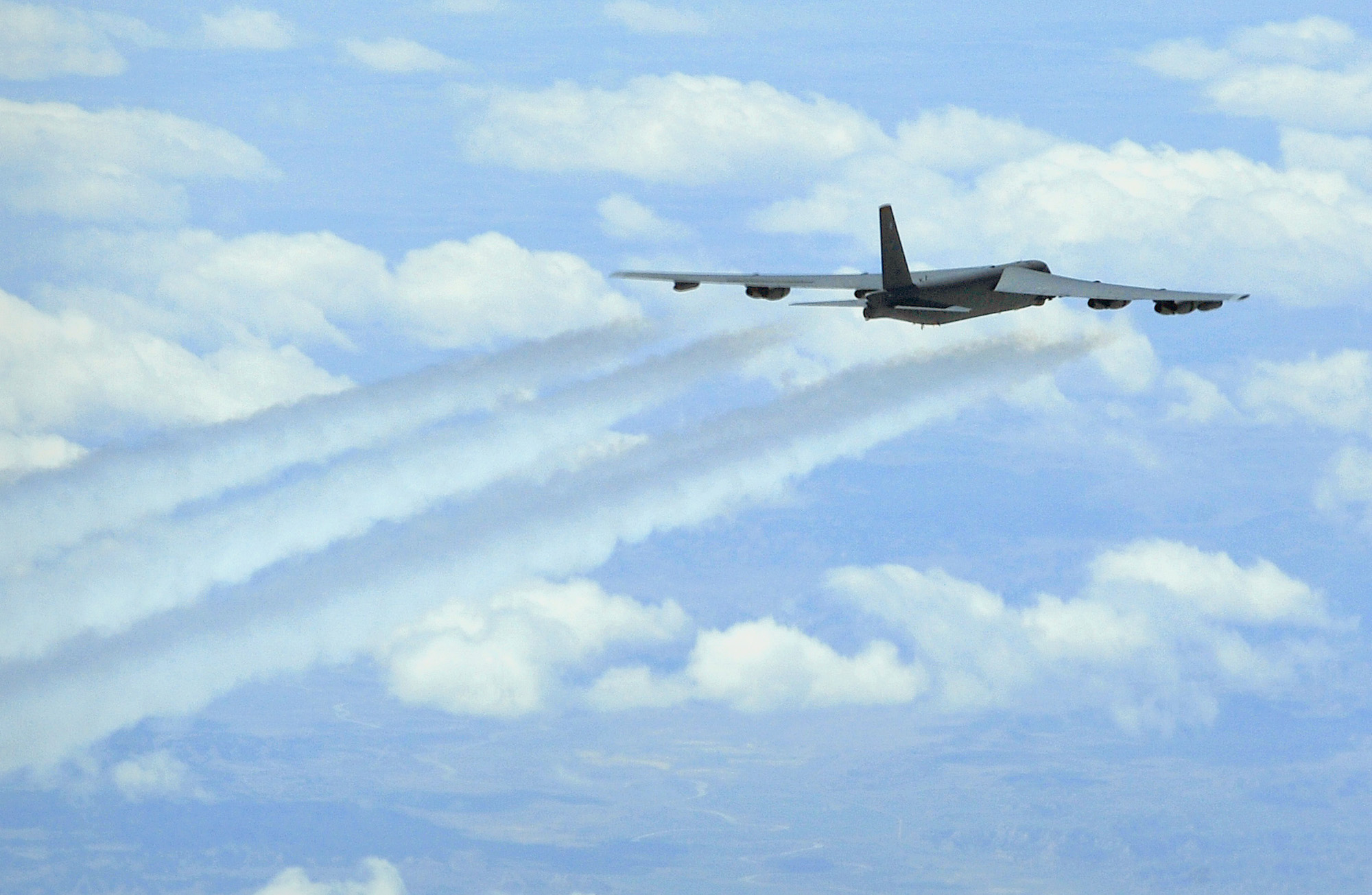 Air Force Secretary: Catastrophic Engine Failure Likely to Blame for Minot B-52 Mishap