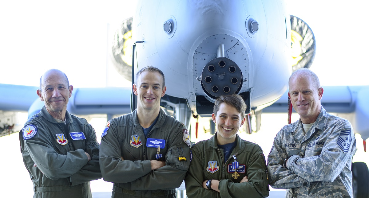 A-10 pilots receive Distinguished Flying Cross for strafing mission in Syria
