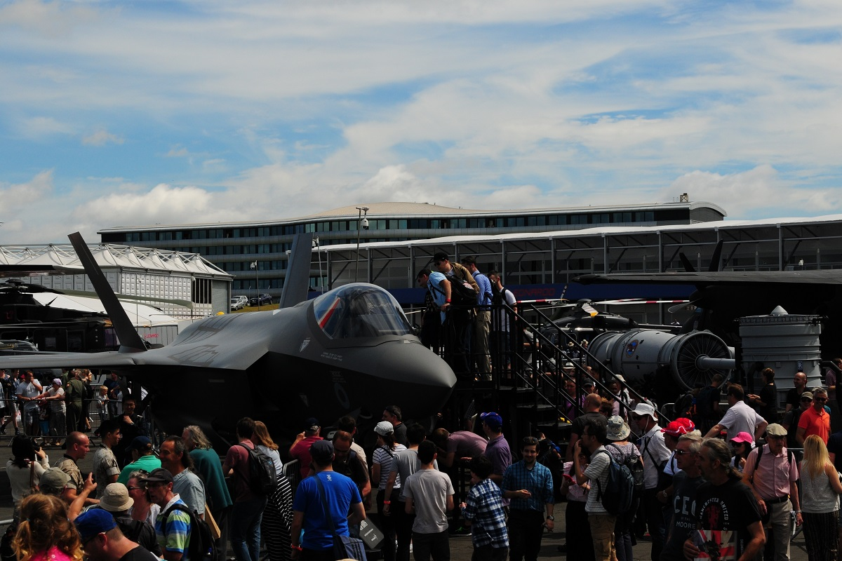 Farnborough International Air Show visitors observe static displays of U.S. military aircraft July 16, 2016. (Master Sgt. Eric Burks/U.S. Air Force)