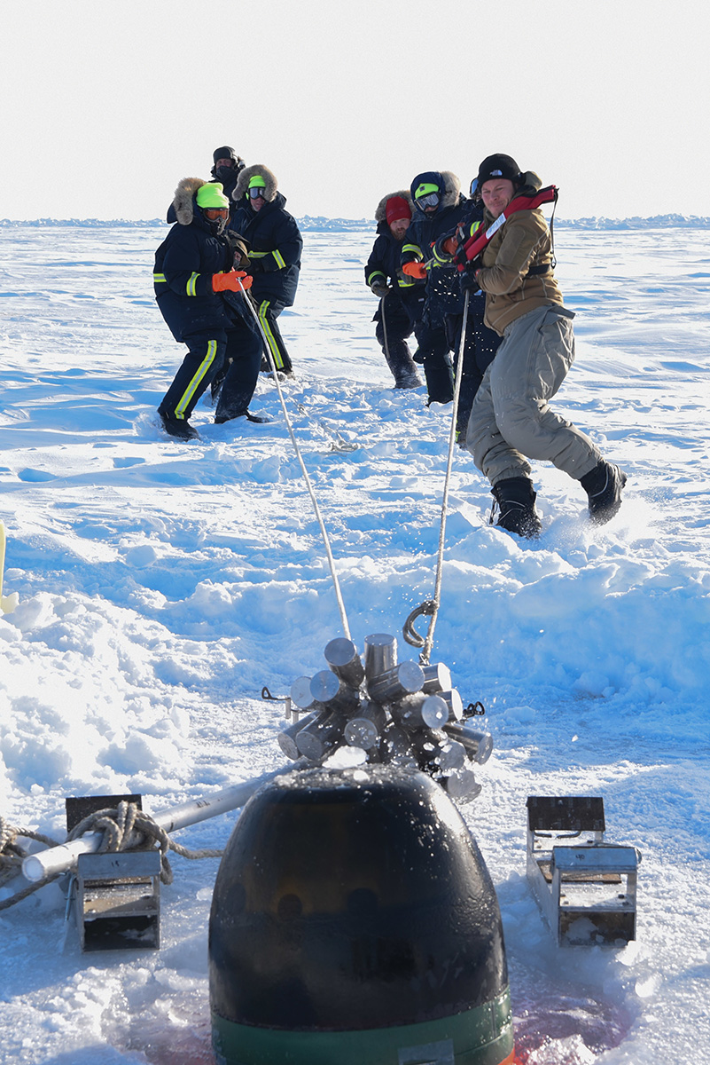 Ice Camp Skate (March 16, 2018) – Members of Ice Camp Skate recover a torpedo during a torpedo exercise in the Arctic Circle.(photo by MC1 Daniel Hinton/Navy)