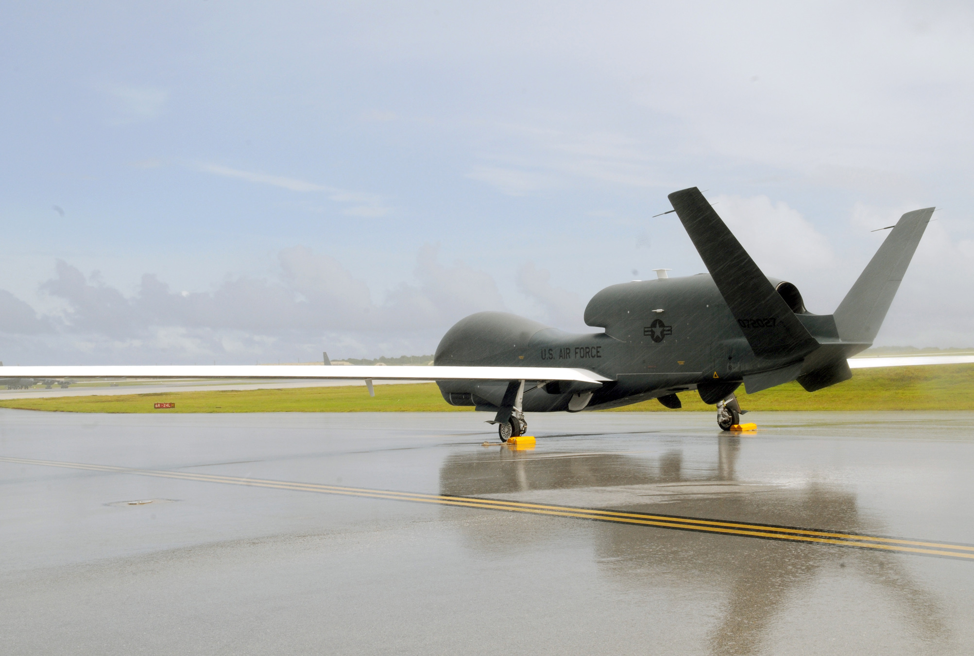 Enlisted drone pilots won't become warrant officers, but they may fly Reapers