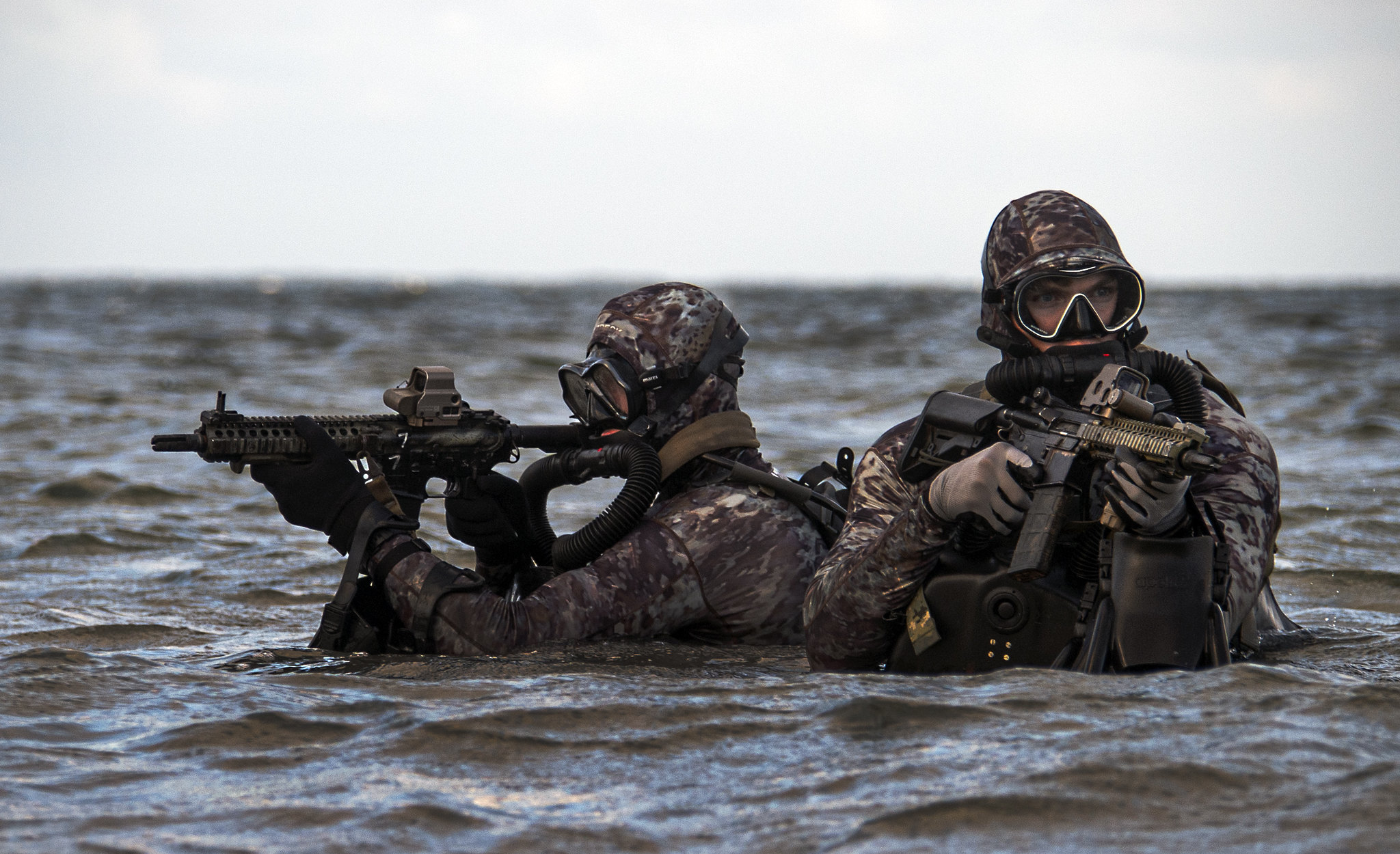 Sailors assigned to Naval Special Warfare Group 2 conduct military dive operations off the East Coast on May 29, 2019. (Senior Chief Mass Communication Specialist Jayme Pastoric/Navy)