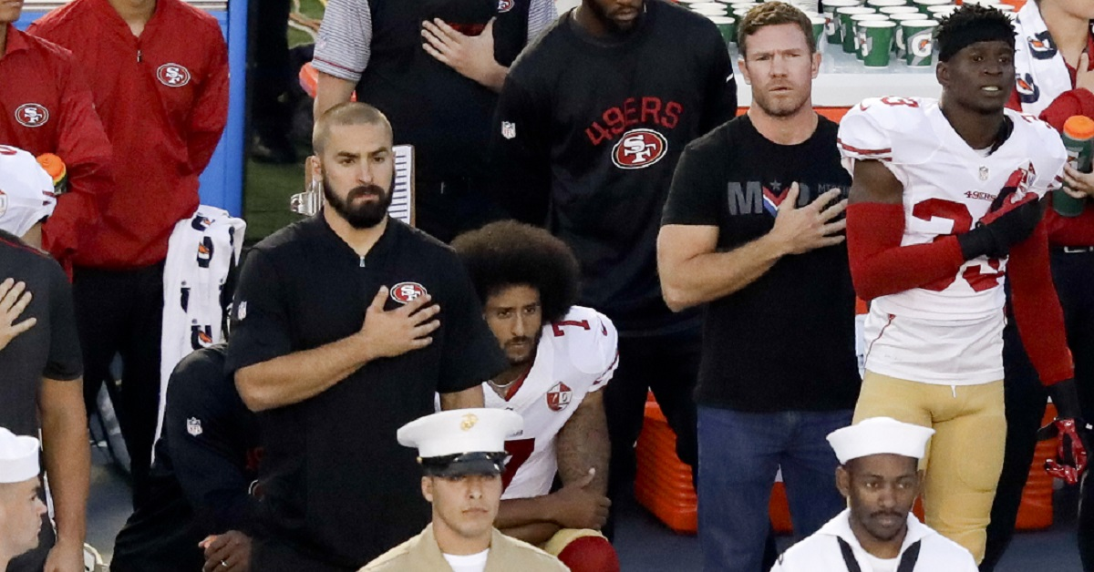 Here's what the Green Beret who stood beside Colin Kaepernick thinks of the NFL's new anthem rule
