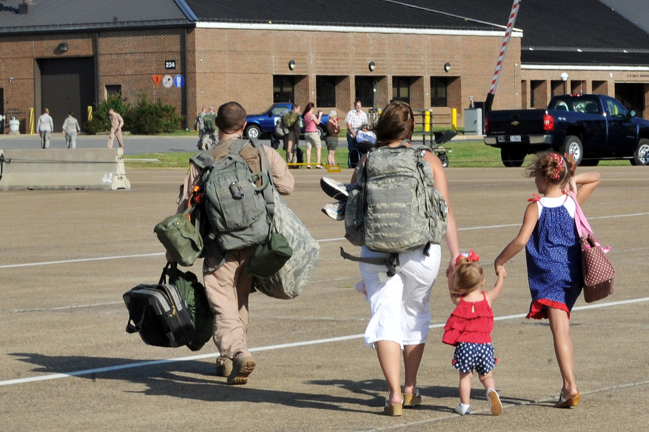 Senators: Give military families more stability in moves