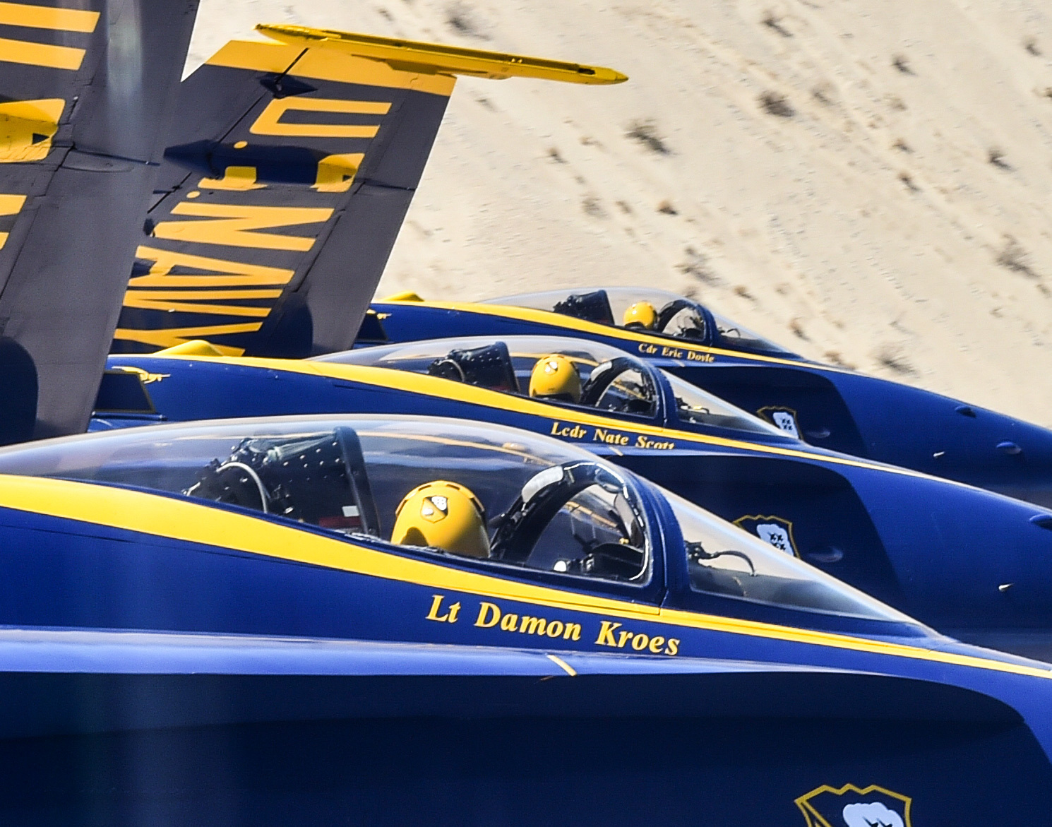 Blue Angels Diamond pilots perform the Diamond Echelon Parade during a winter training flight over El Centro, California. (Mass Communication Specialist 1st Class Ian Cotter/Navy)