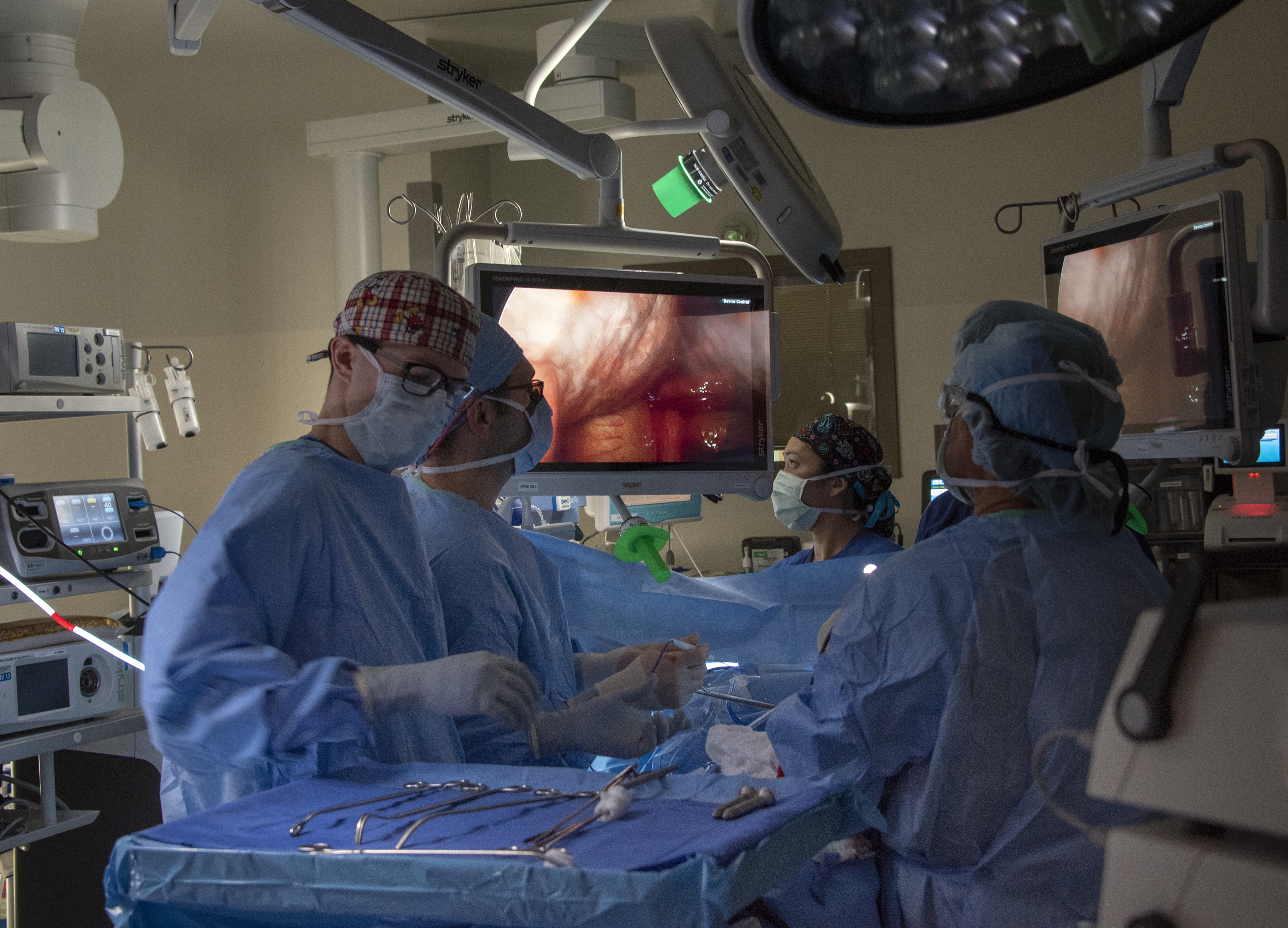 Medical staff at David Grant USAF Medical Center perform surgery to a lung cancer patient Feb. 26, 2019, at Travis Air Force Base, Calif. Members of the military may soon be able to file claims for cases of negligence or malpractice in military health facilities. (Heide Couch/Air Force)