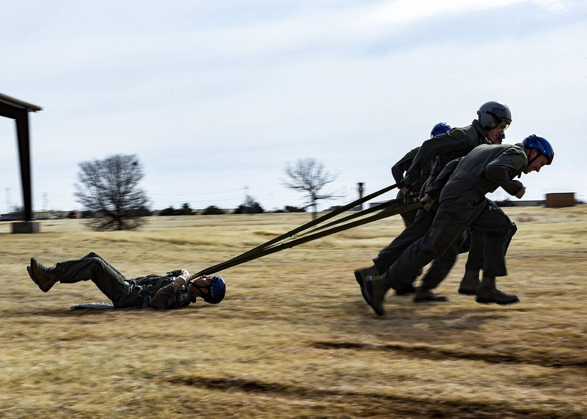 Students from the Pilot Training Next Program conduct drag training at Sheppard Air Force Base, Texas, Jan. 29, 2019. (Airman 1st Class Pedro Tenorio/Air Force)