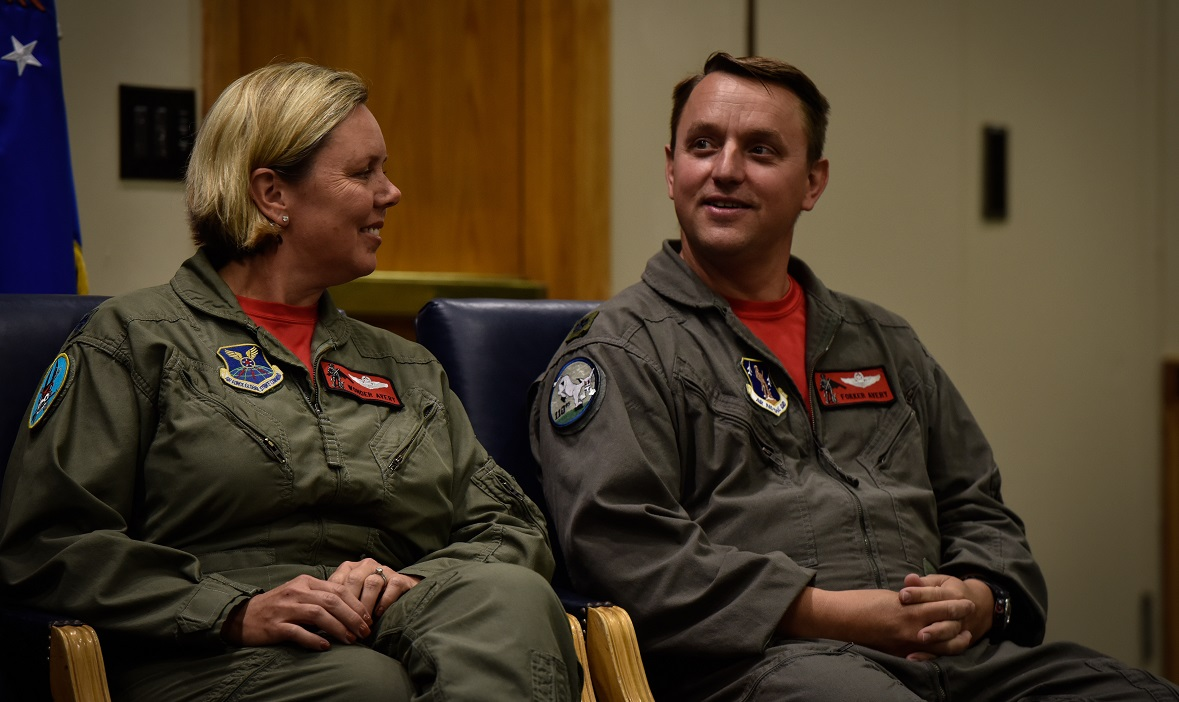 Married couple Lt. Col. Jennifer Avery, left, and Lt. Col. John Avery combined for over 4,000 flight hours before their September retirement. (Tech. Sgt. Alexander W. Riedel/Air Force)