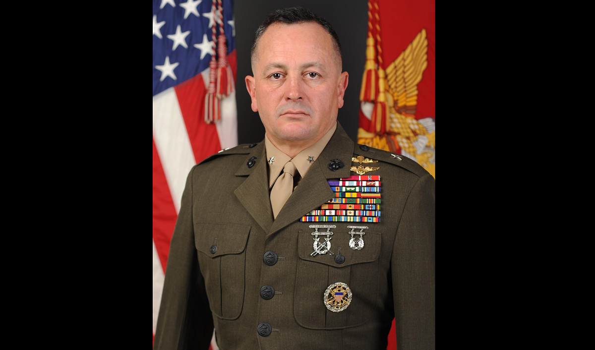 Marine one-star cited for misusing aide, taking gifts from subordinates