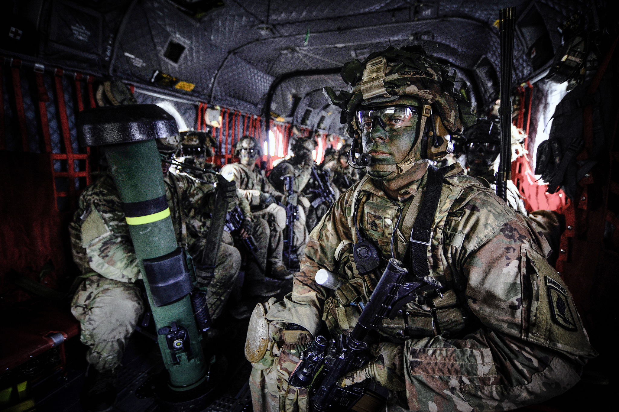 Paratroopers prepare to exit a CH-47 Chinook helicopter on March 6, 2019, during Exercise Rock Spring 19 at Grafenwoehr Training Area, Germany. (Army)