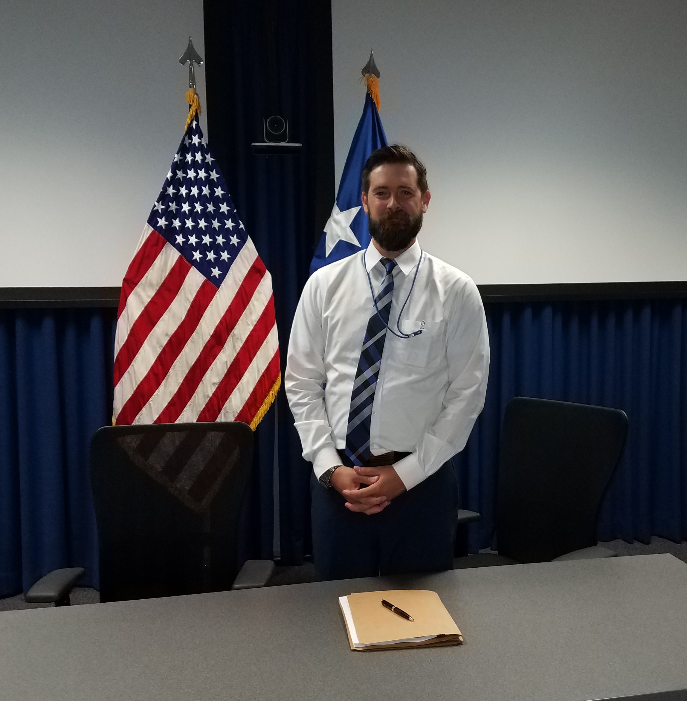 A contracting official grew a beard to help get an Air Force One deal. Seriously.