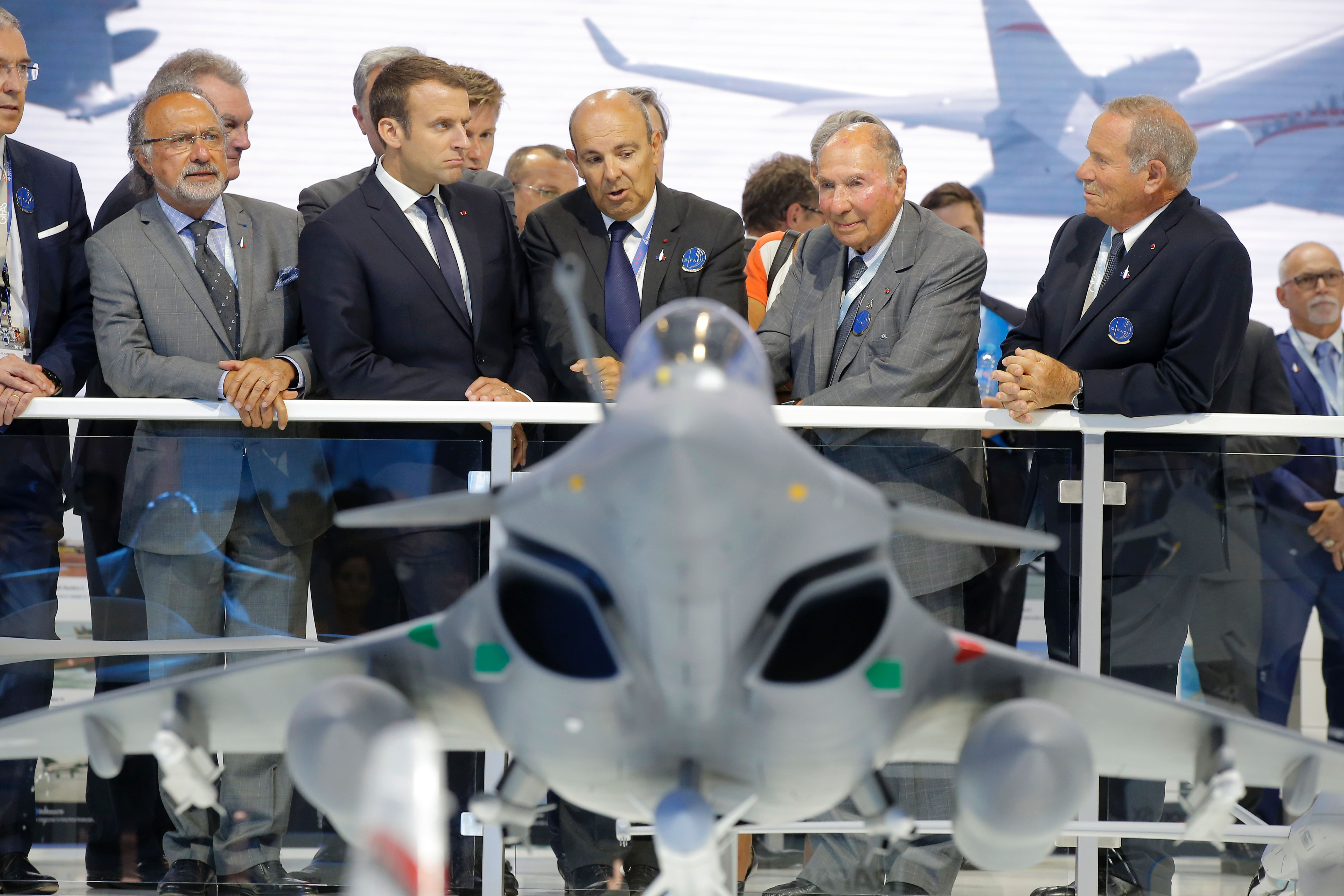 Tech demonstrations key to mitigating project risks, says Dassault Aviation boss