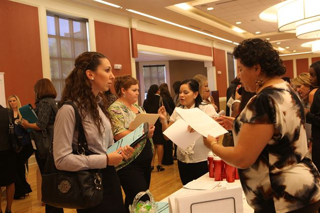 Military spouses attend a job fair at Camp Lejeune, N.C. (Lance Cpl. Jackeline M. Perez Rivera/Marine Corps)