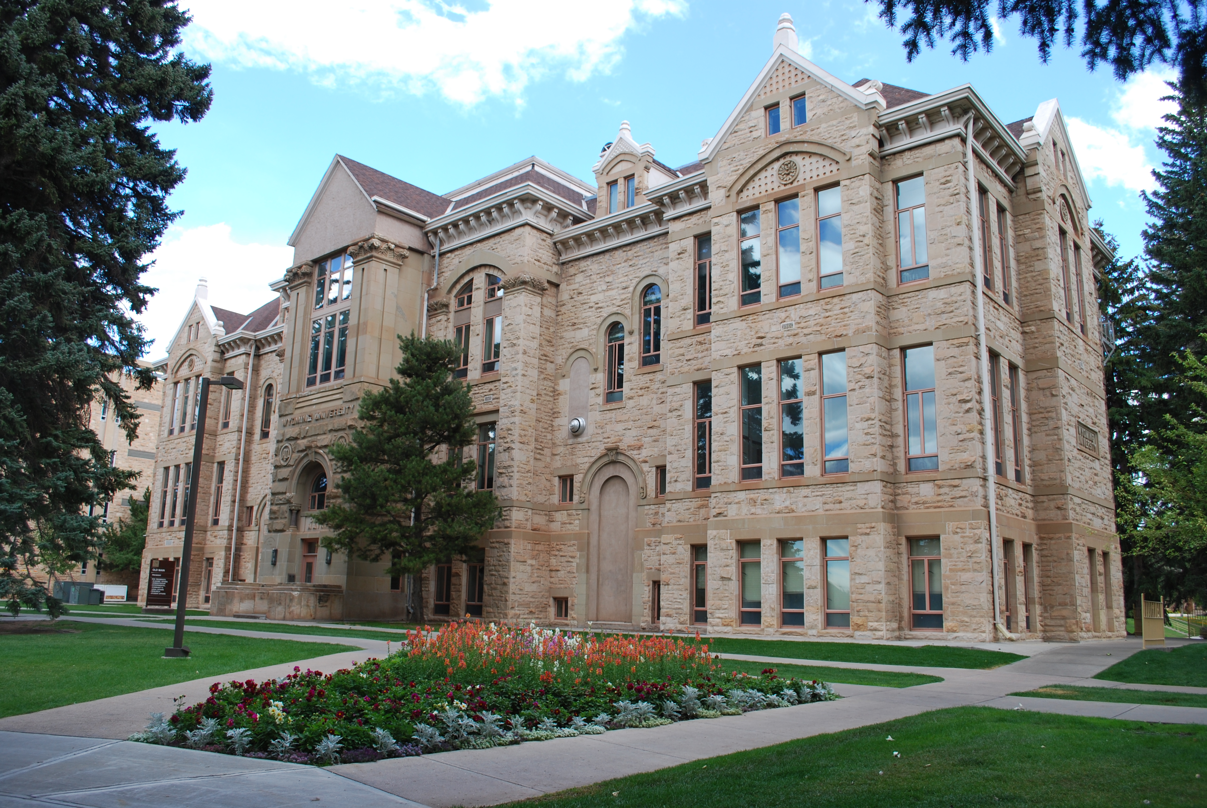 Old Main at the University of Wyoming. (Thecoldmidwest via Wikipedia Commons)