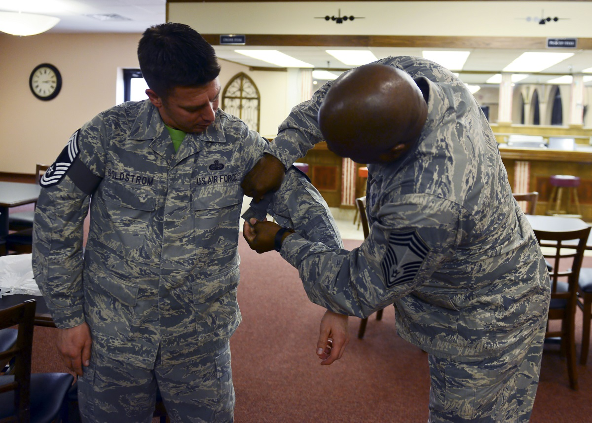 Air Force selects 472 for promotion to chief master sergeant
