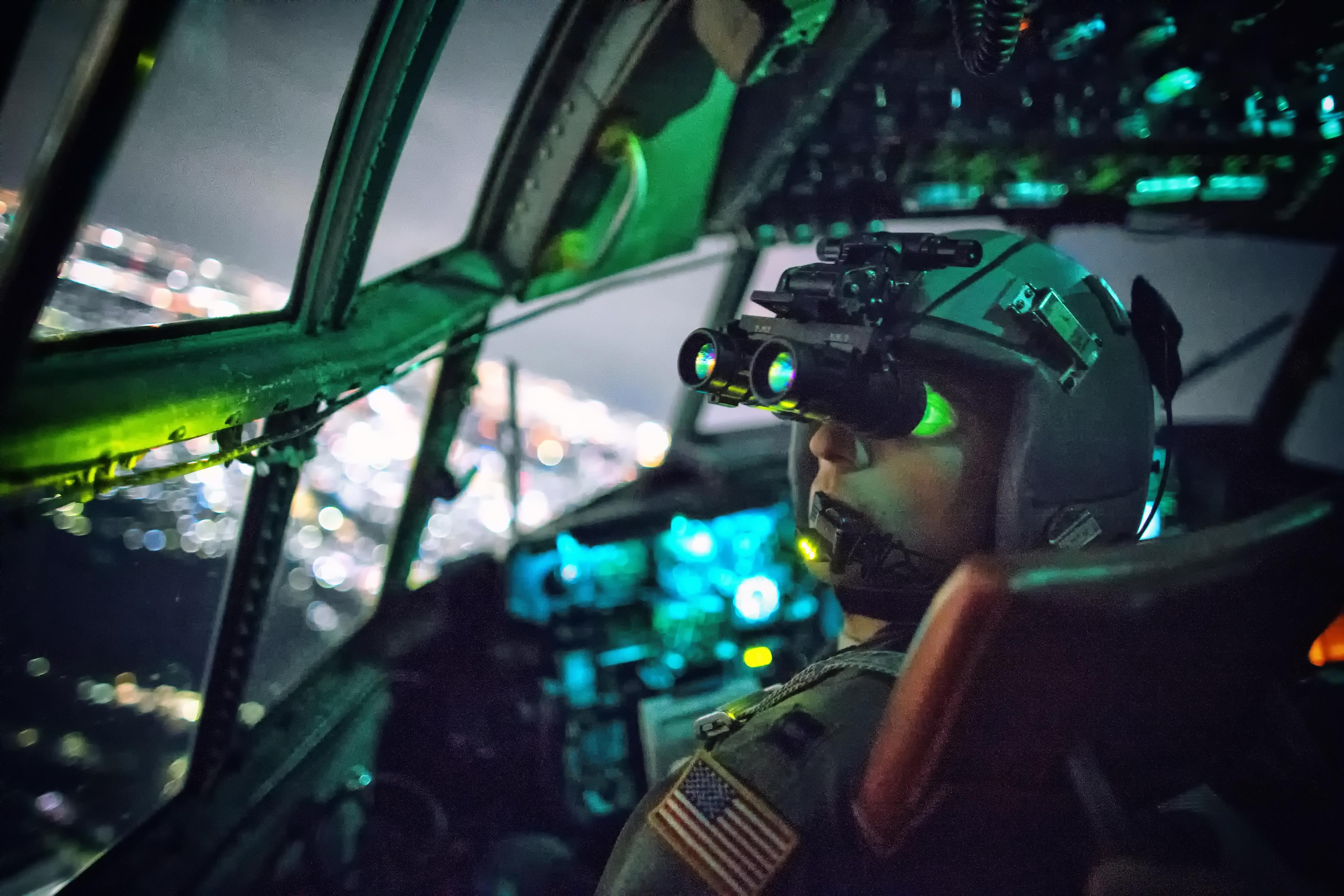 4-star: Air Force, AMC will meet with airlines to find ways to beat the pilot shortage