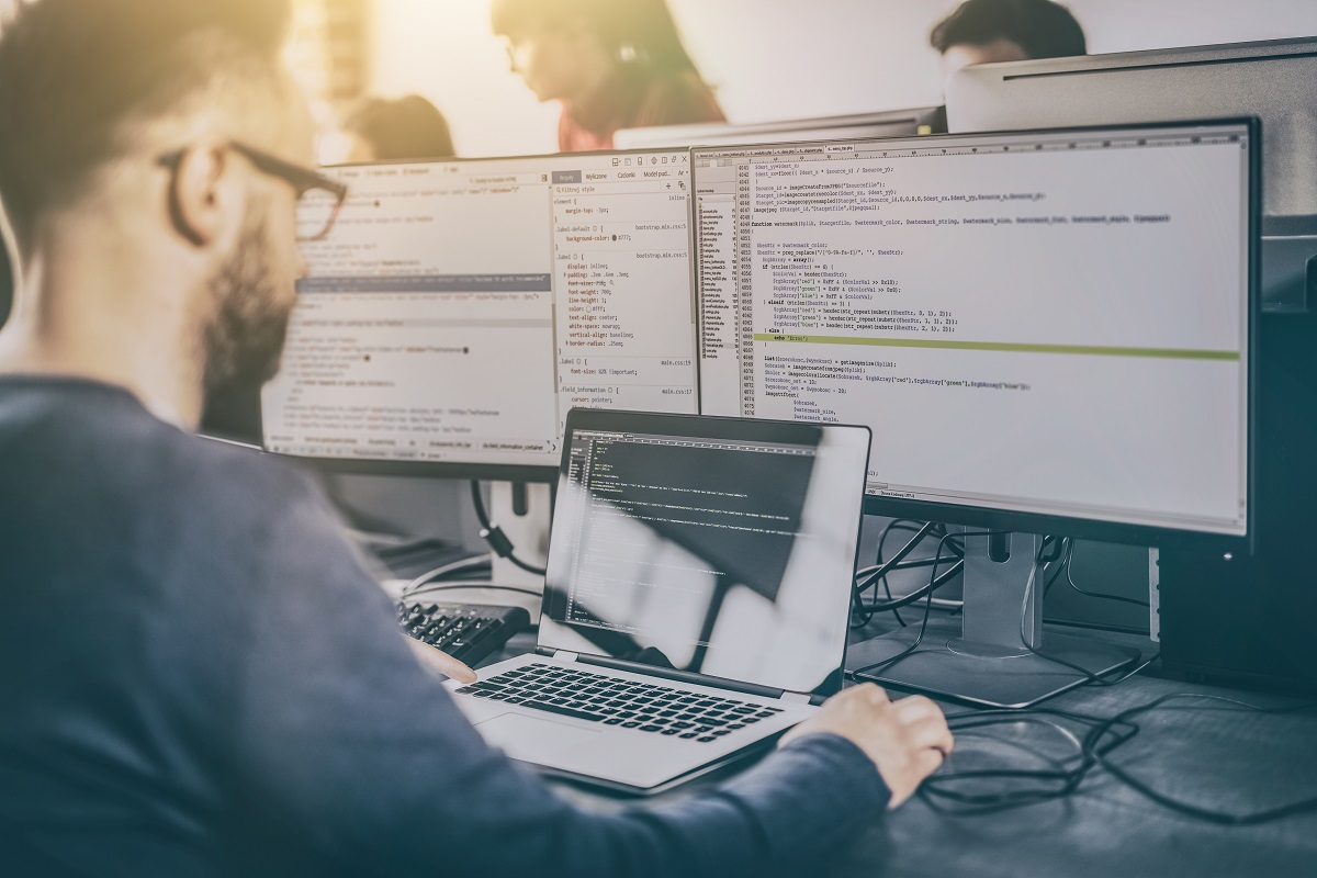 The nature of cyber work often means that it must be executed in an environment that's faster-paced, more dynamic and quicker to adapt than that of its parent organization. (scyther5/Getty Images)