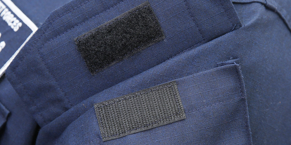 The tactical pocket with hook-and-loop closure is highlighted for the modernized, two-piece, flame-resistant organizational clothing (Mass Communication Specialist 2nd Class Michael Fiorillo/Navy)