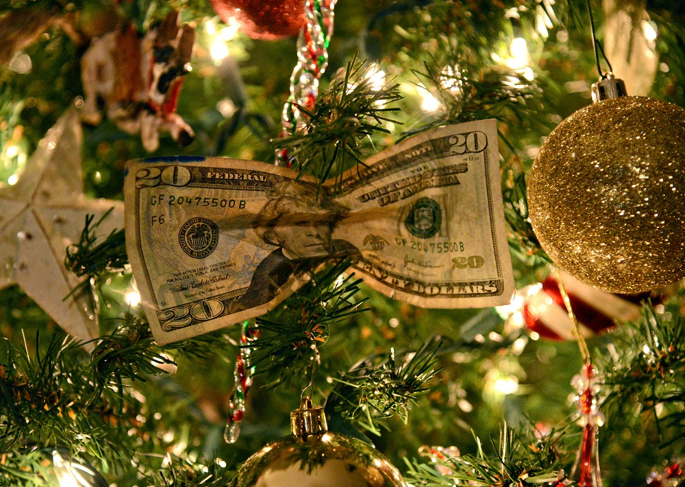 8 tips for military families to beat post-holiday debt